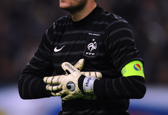 PARIS, FRANCE - NOVEMBER 11:  Hugo Lloris of France in action during the International Friendly between France and USA at Stade de France on November 11, 2011 in Paris, France.  (Photo by Mike Hewitt/Getty Images)