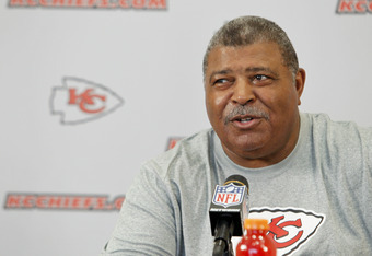 Romeo Crennel gets another chance as an NFL head coach.