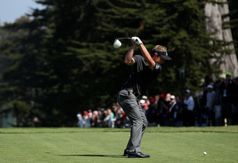 SAN FRANCISCO, CA - JUNE 14:  Luke Donald of England hits his tee shot on the ninth hole during the first round of the 112th U.S. Open at The Olympic Club on June 14, 2012 in San Francisco, California.  (Photo by Andrew Redington/Getty Images)