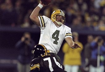 9 Nov 1998:  Defensive end Kevin Henry #76 of the Pittsburgh Steelers in action against quarterback Brett Favre #4 of the Green Bay Packers during the game at the Three Rivers Stadium in Pittsburgh, Pennsylvania. The Steelers defeated the Packers 27-20.