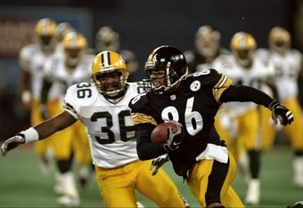 9 Nov 1998: Hines Ward #86 of the Pittsburgh Steelers  runs with the ball  as Leroy Butler #36 of the Green Bay Packers looks to tackle at 3 Rivers Stadium in Pittsburgh, Pennsylvania. The Steelers defeated the Packers 27-20. Mandatory Credit: Rick Stewar