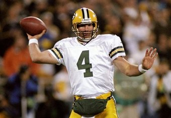 9 Nov 1998:  Brett Favre #4 of the Green Bay Packers throws during the game against the Pittsburgh Steelers at 3 Rivers Stadium in Pittsburgh, Pennsylvania. The Steelers defeated the Packers 27-20. Mandatory Credit: Rick Stewart  /Allsport