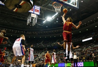 AUBURN HILLS, MI - DECEMBER 28:   Anderson Varejao #17 of the Cleveland Cavaliers gets in for a dunk while playing the Detroit Pistonson December 28, 2011 at the Palace of Auburn Hills in Auburn Hills, Michigan. Cleveland won the game 105-89. NOTE TO USER