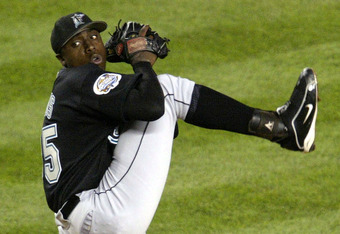 BRONX, NY - OCTOBER 18:  Relief pitcher Dontrelle Willis #35 of the Florida Marlins pitches in the sixth inning against the New York Yankees during game 1 of the Major League Baseball World Series October 18, 2003 at Yankee Stadium in the Bronx, New York.
