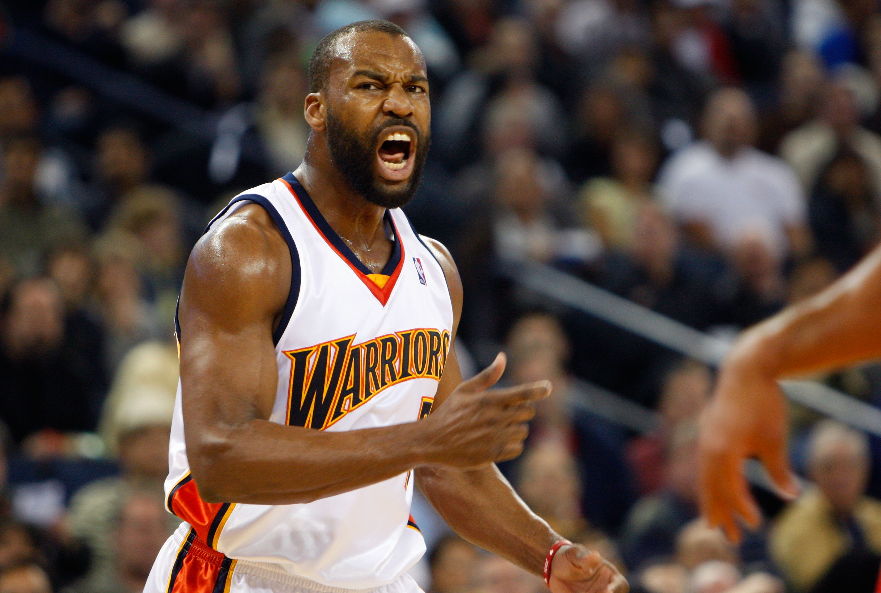 OAKLAND, CA - NOVEMBER 29:  Baron Davis #5 of the Golden State Warriors reacts to a call during the first half against the Houston Rockets November 29, 2007 at the Oracle Arena in Oakland, California.  (Photo by Justin Sullivan/Getty Images)