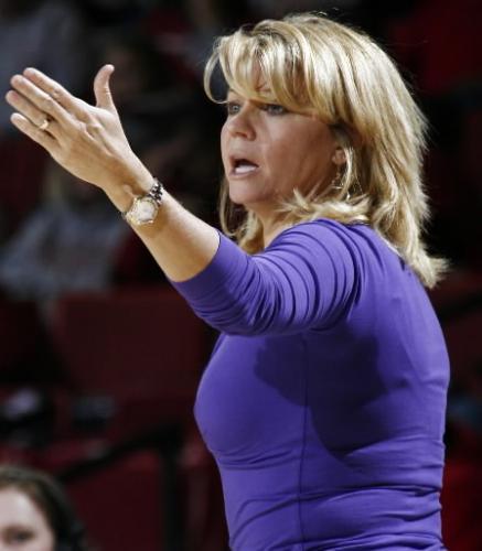 Sexiets womens basketball coach