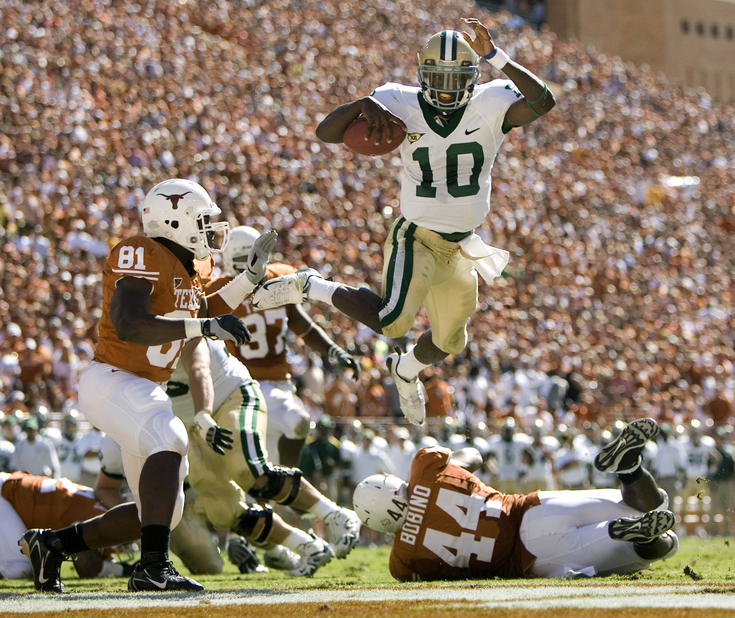 innovative design e4796 be58a Don't Forget Robert Griffin: Baylor QB Aiming to Get Bears ...