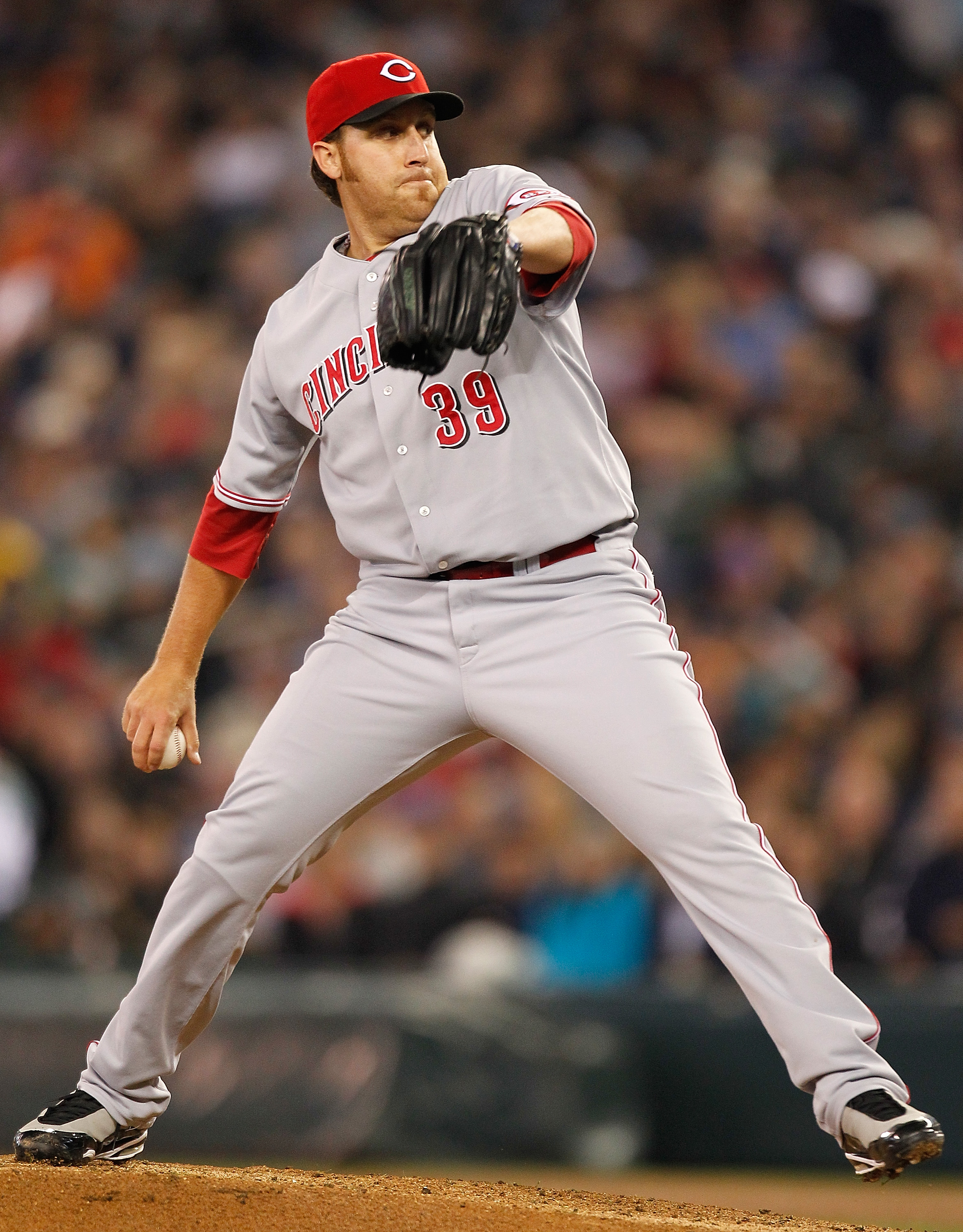 SEATTLE - JUNE 20:  Starting pitcher Aaron Harang #39 of the Cincinnati Reds pitches against the Seattle Mariners on June 20, 2010 at Safeco Field in Seattle, Washington. The Mariners defeated the Reds 1-0. (Photo by Otto Greule Jr/Getty Images)