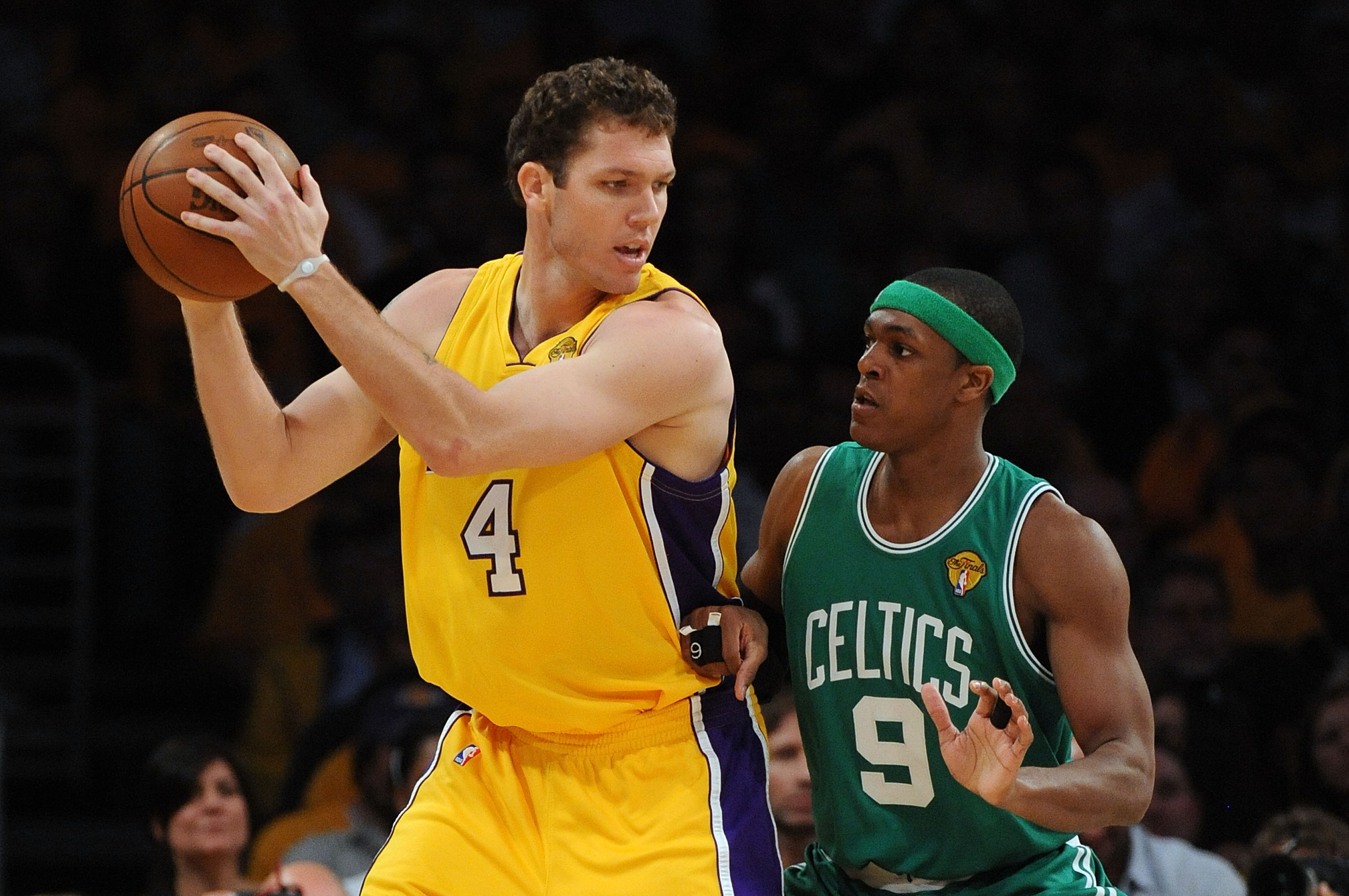 LOS ANGELES, CA - JUNE 03:  Luke Walton #4 of the Los Angeles Lakers looks to pass against Rajon Rondo #9 of the Boston Celtics in Game One of the 2010 NBA Finals at Staples Center on June 3, 2010 in Los Angeles, California.  NOTE TO USER: User expressly