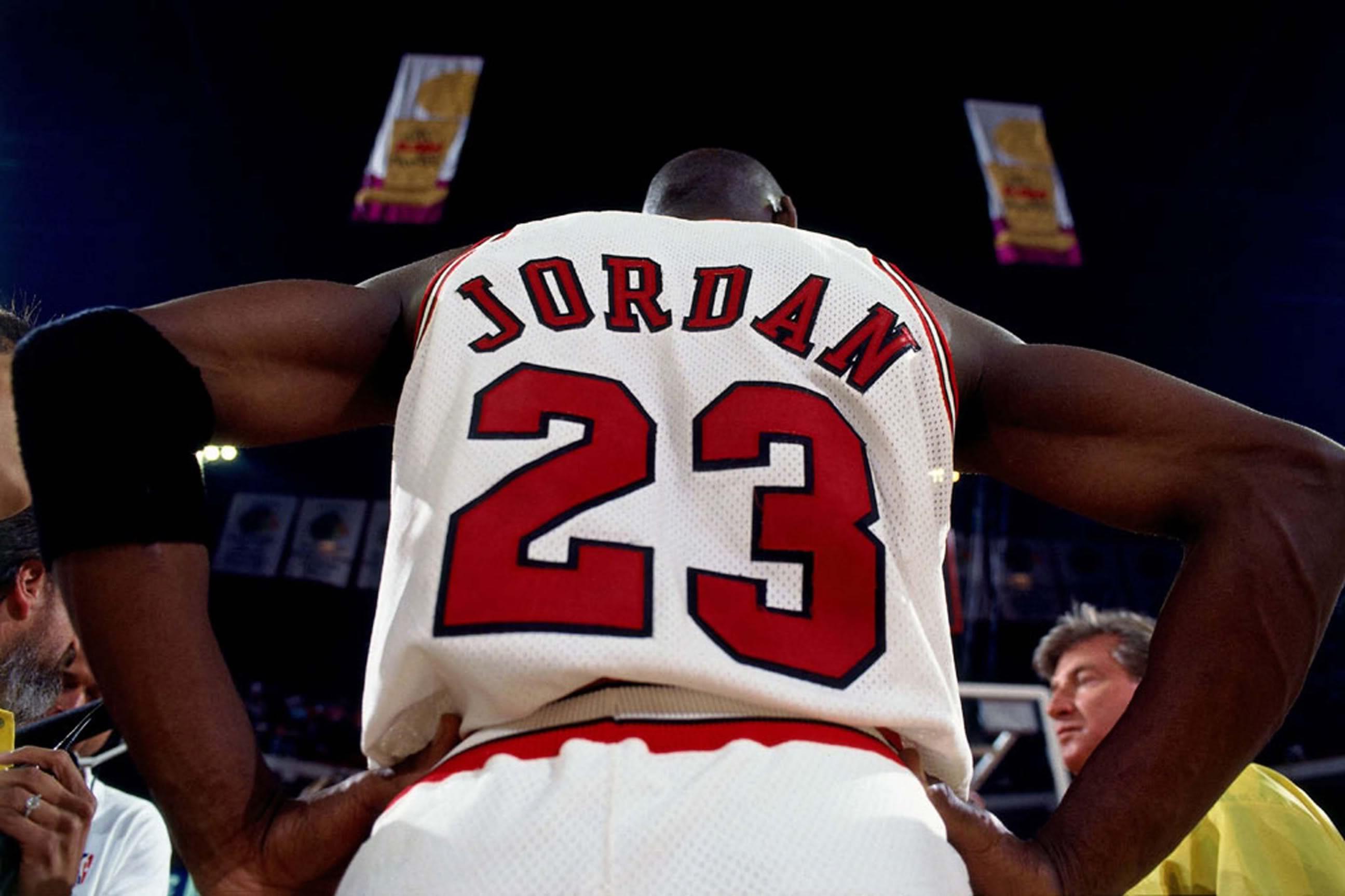urzędnik szczegółowy wygląd rozsądna cena Michael Jordan: How His Airness Stacks Up Against Today's ...