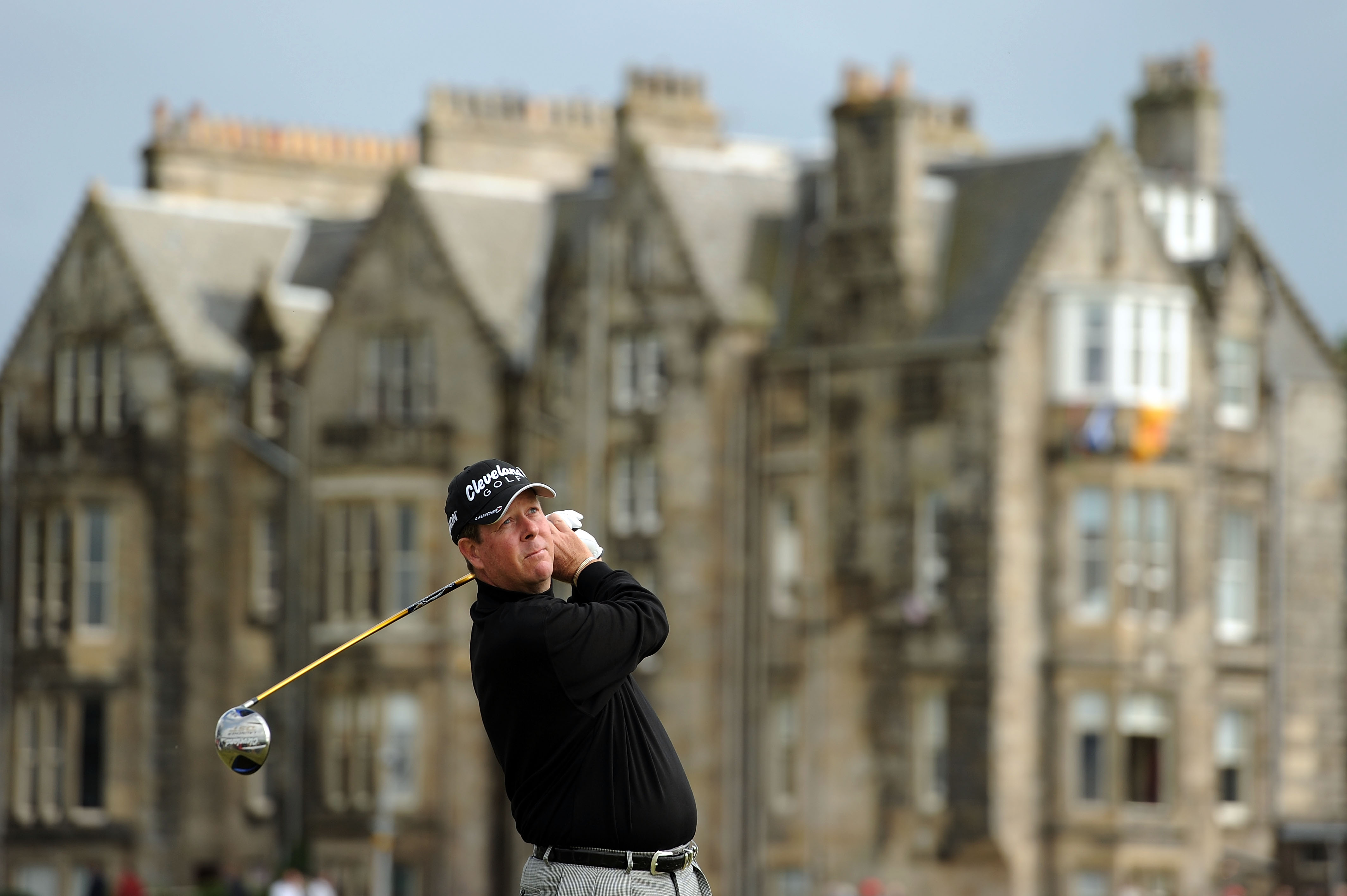 ST ANDREWS, SCOTLAND - JULY 15:  Glen Day of the USA tees off on the 2nd hole during the first round of the 139th Open Championship on the Old Course, St Andrews on July 15, 2010 in St Andrews, Scotland.  (Photo by Harry How/Getty Images)