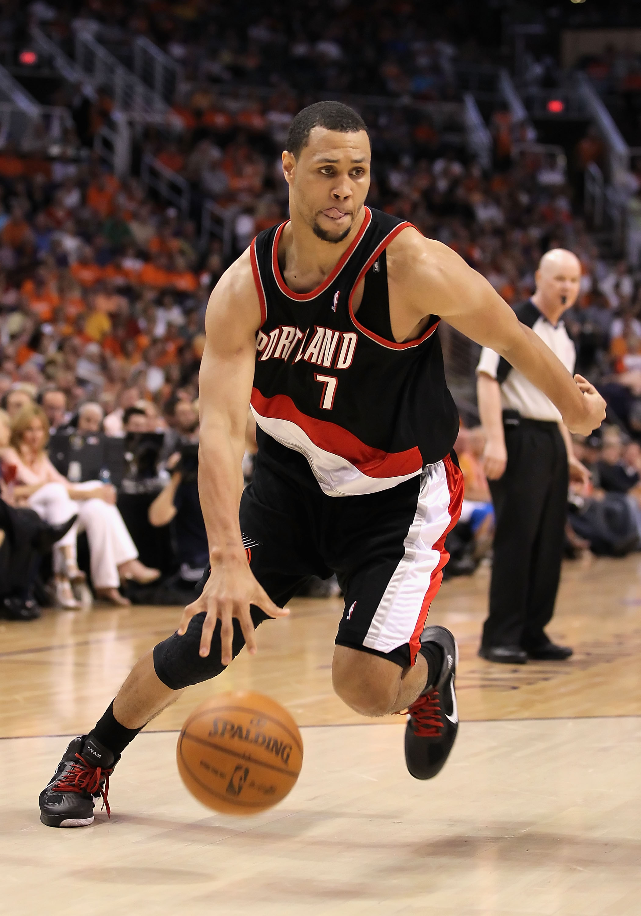 PHOENIX - APRIL 26:  Brandon Roy #7 of the Portland Trail Blazers handles the ball during Game Five of the Western Conference Quarterfinals of the 2010 NBA Playoffs against the Phoenix Suns at US Airways Center on April 26, 2010 in Phoenix, Arizona. NOTE