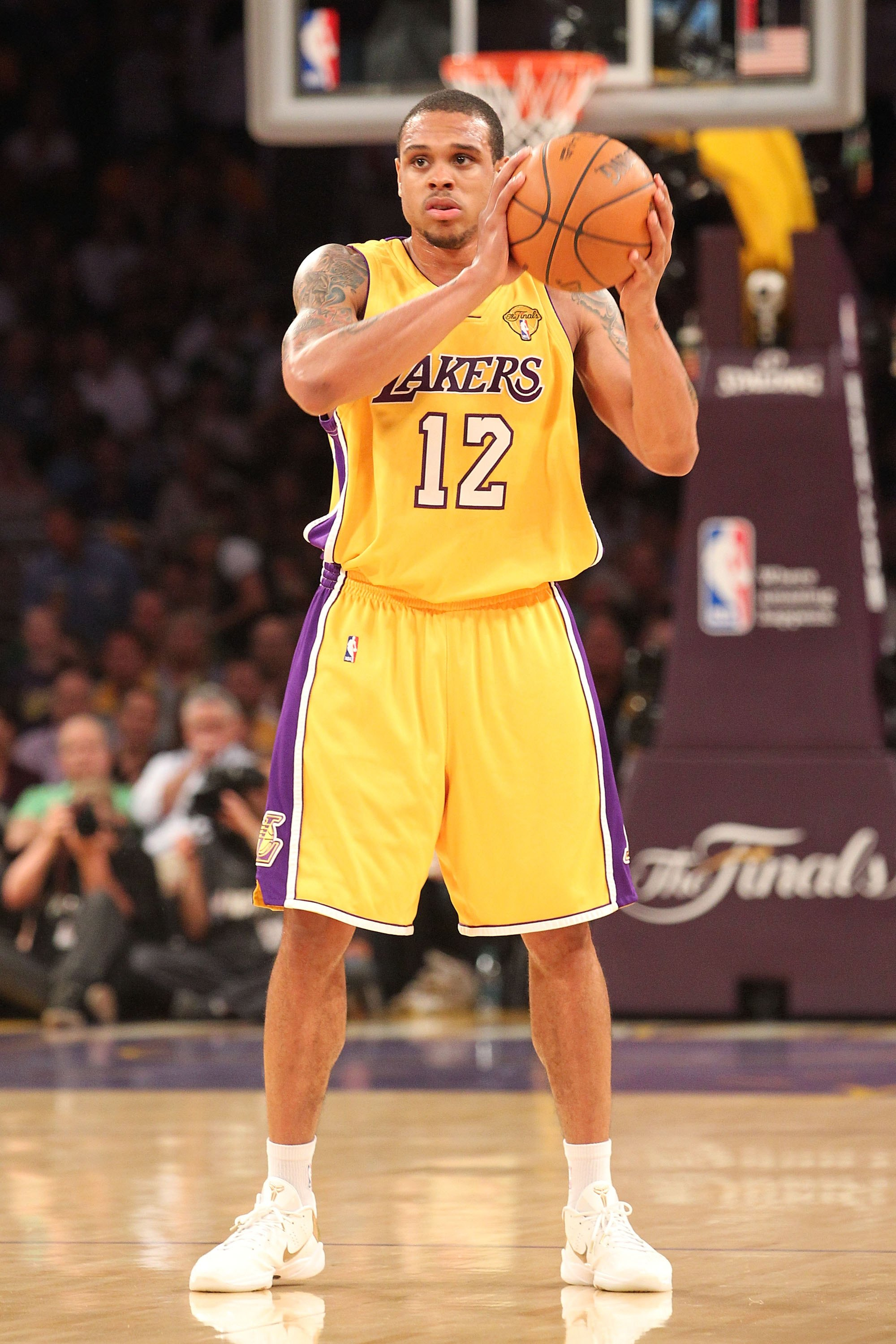 shannon-brown-naking