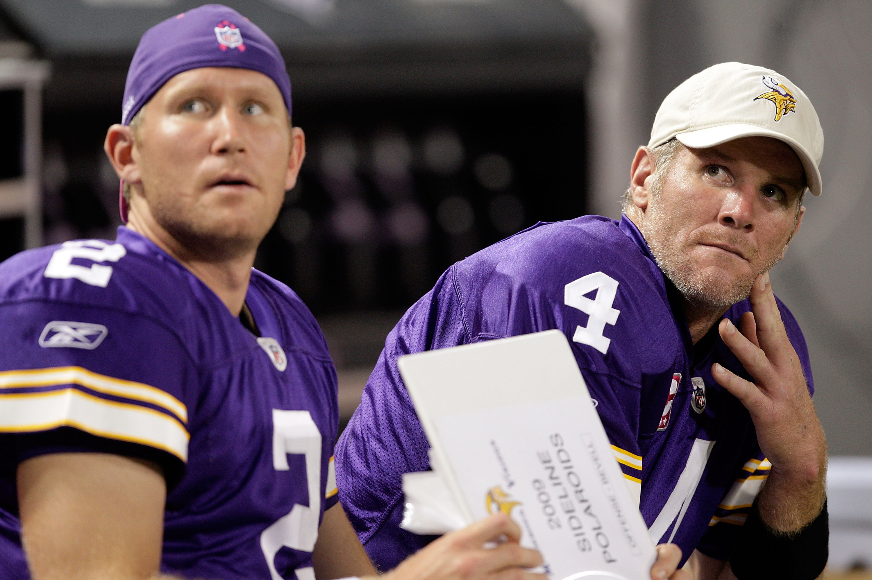 Minnesota Vikings QB Sage Rosenfels with former Vikings QB Brett Favre
