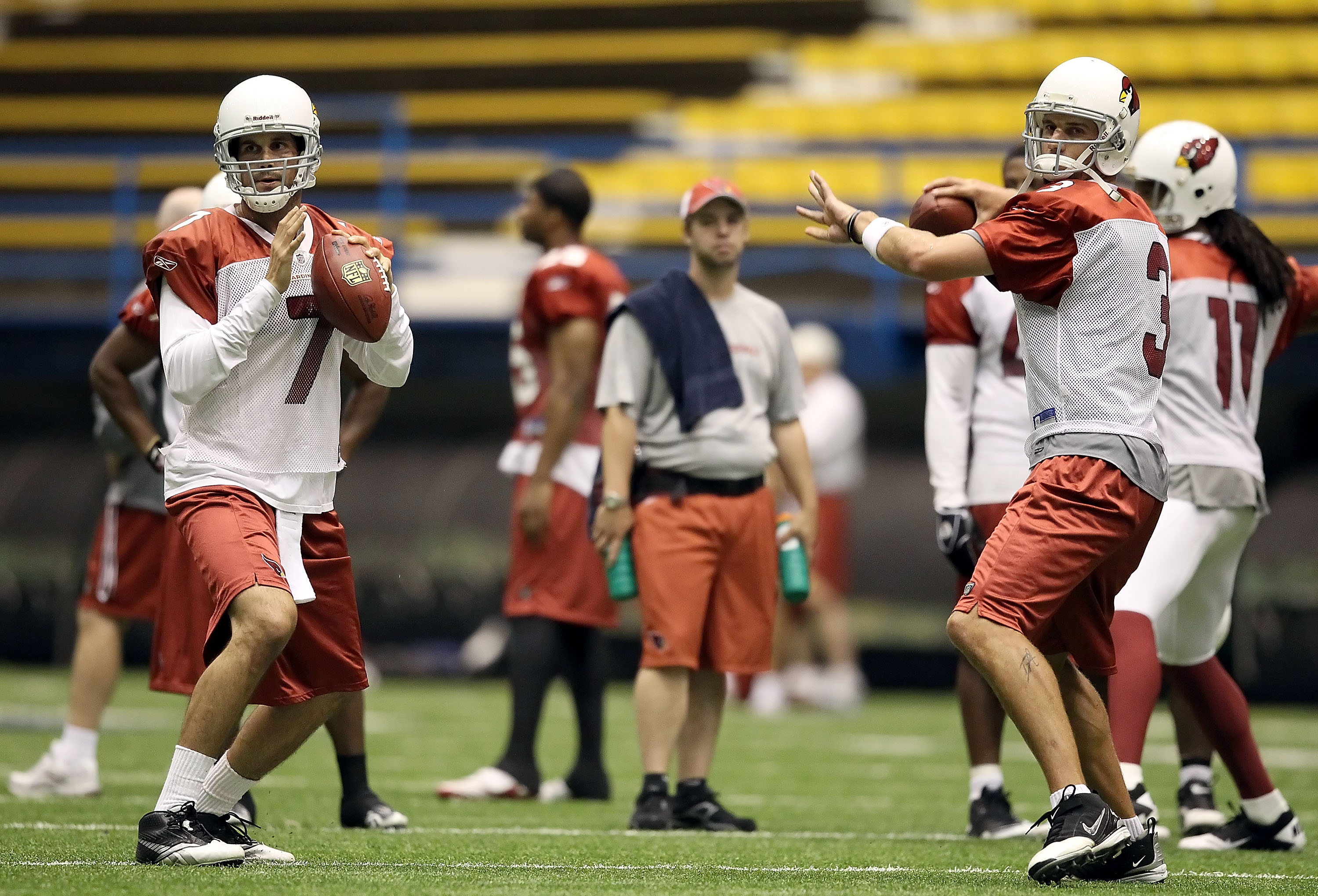 FLAGSTAFF, AZ - AUGUST 02:  Quarterbacks Matt Leinart #7 and Derek Anderson #3 of the Arizona Cardinals practice in the team training camp at Northern Arizona University Walkup Skydome on August 2, 2010 in Flagstaff, Arizona.  (Photo by Christian Petersen