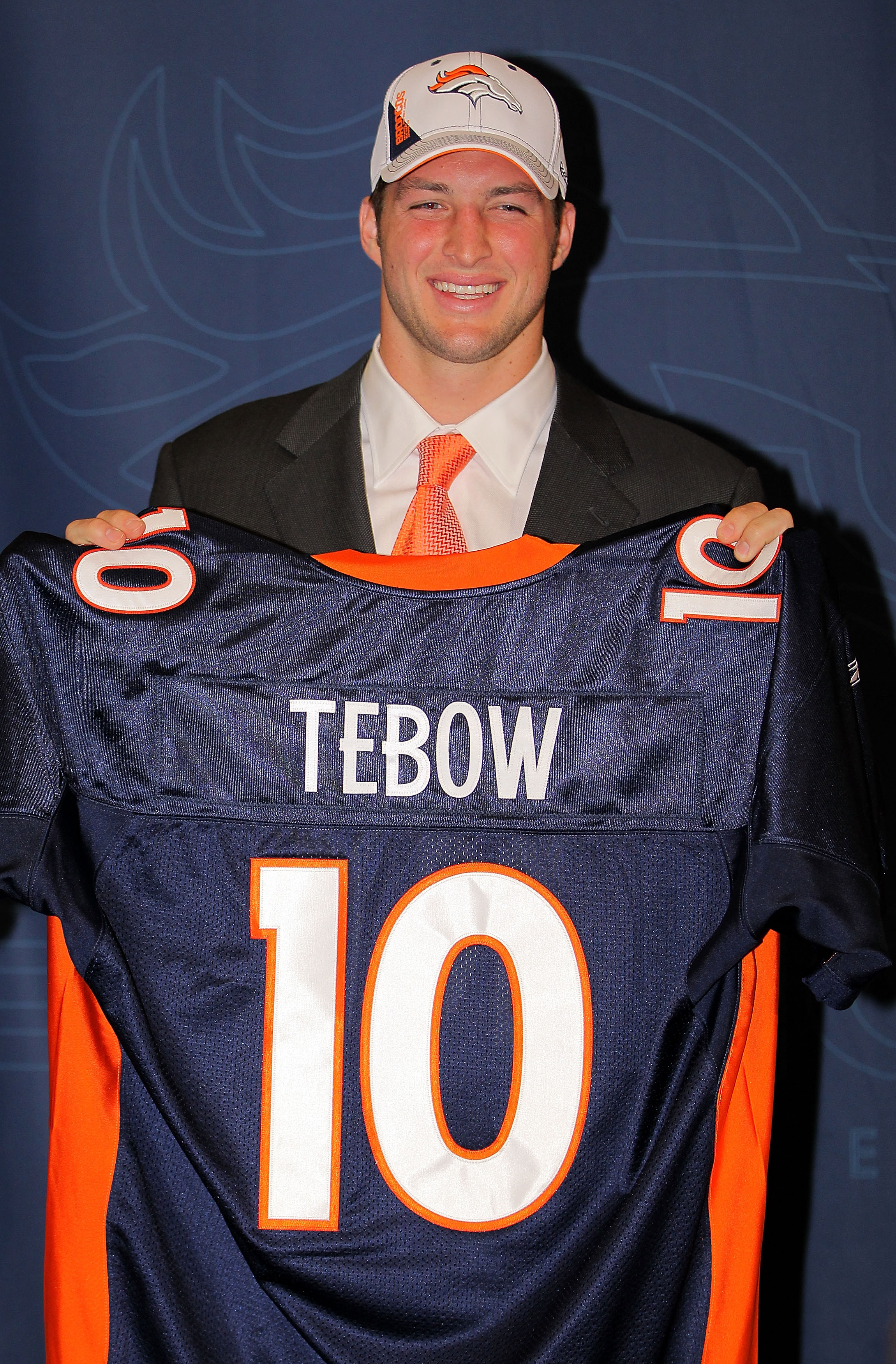 Tim Tebow Haircut 10 Things He Can Do To Make Us Forget The Do