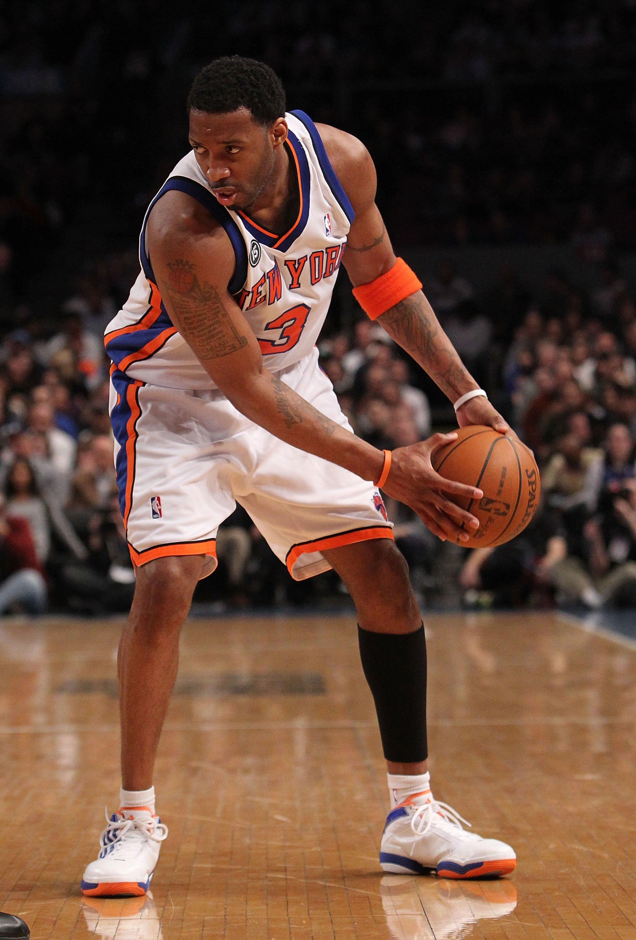 NEW YORK - FEBRUARY 20:  Tracy McGrady #3 of the New York Knicks with the ball against the Oklahoma City Thunder at Madison Square Garden on February 20, 2010 in New York, New York. NOTE TO USER: User expressly acknowledges and agrees that, by downloading