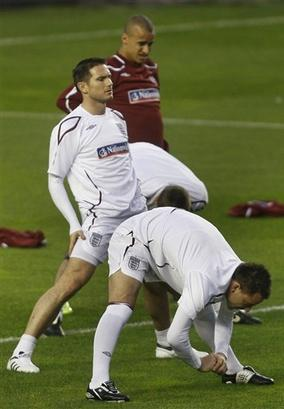Lampard and Terry limber up before another tight one over the summer.