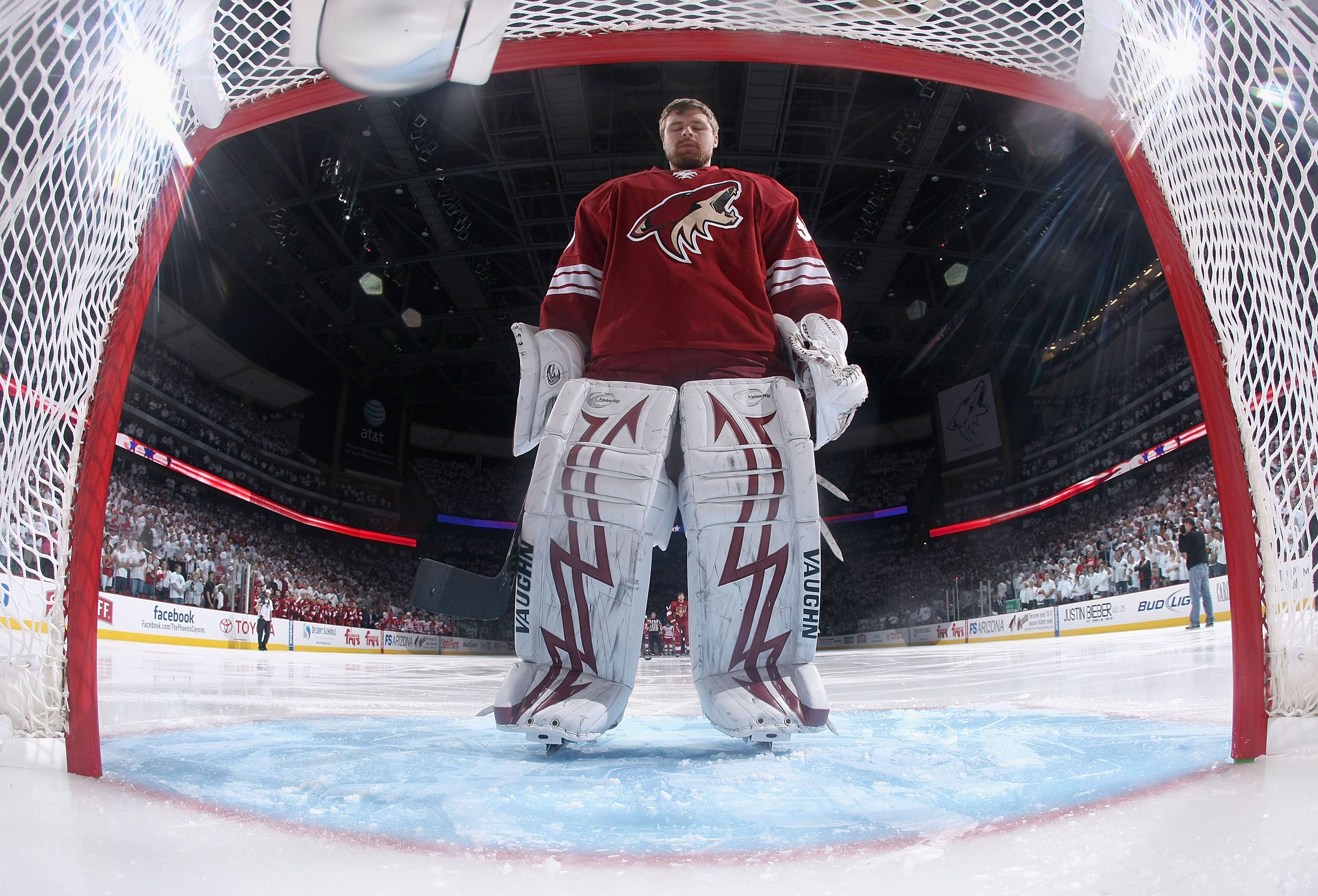 GLENDALE, AZ - APRIL 27:  Goaltender Ilya Bryzgalov #30 of the Phoenix Coyotes before Game Seven of the Western Conference Quarterfinals against the Detroit Red Wings during the 2010 NHL Stanley Cup Playoffs at Jobing.com Arena on April 27, 2010 in Glenda
