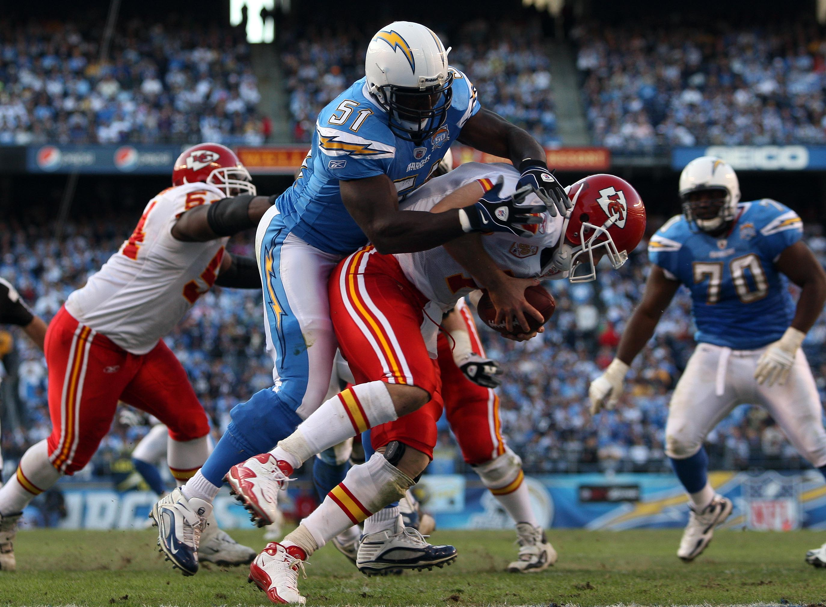 SAN DIEGO, CA - NOVEMBER 29:   Linebacker Tim Dobbins #51 of the San Diego Chargers sacks Quarterback Matt Cassel #7 of the Kansas City Chiefs for a safety during the NFL game on November 29, 2009 at Qualcomm Stadium in San Diego, California.  (Photo by D