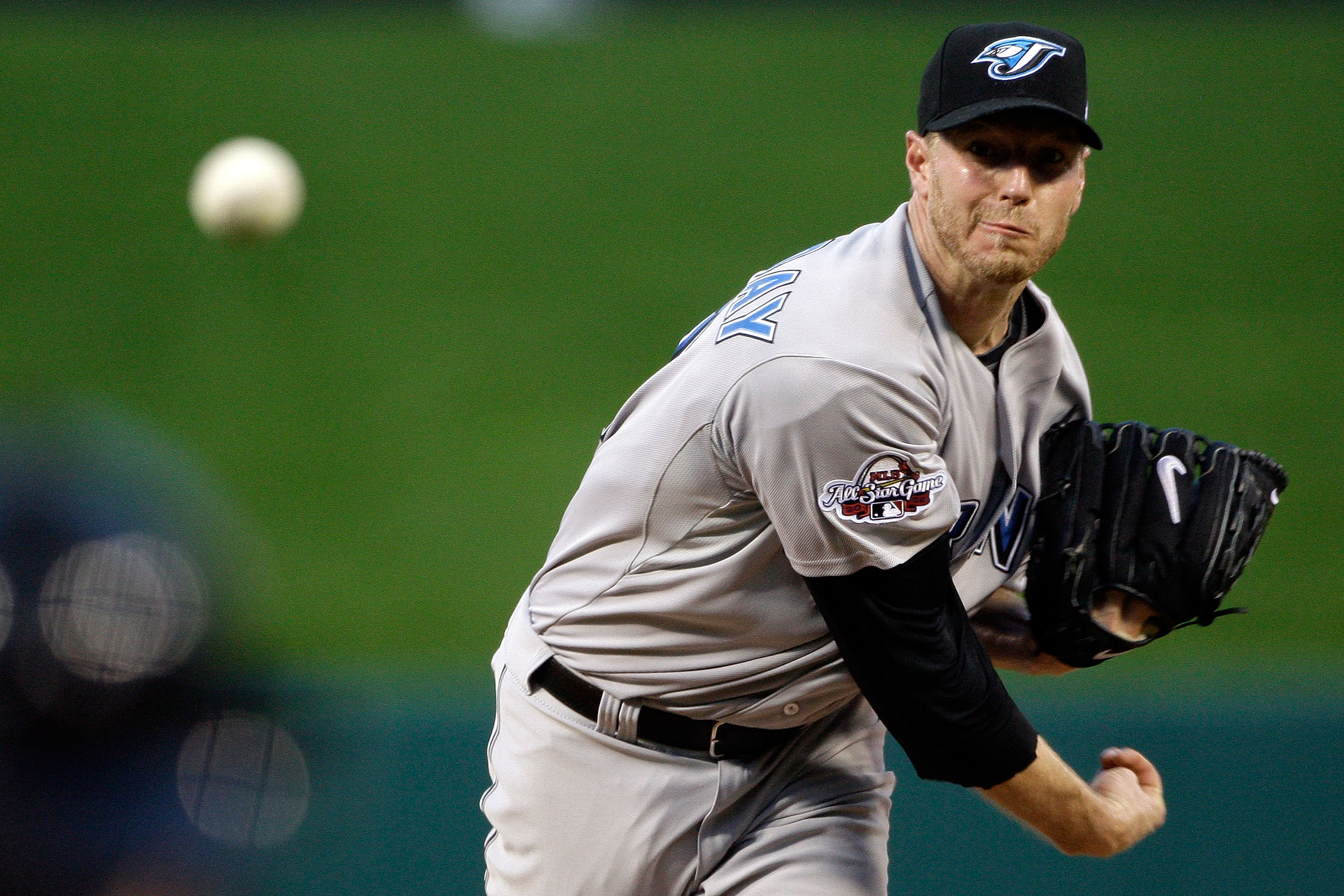 ST LOUIS, MO - JULY 14: American League All-Star Roy Halladay #32 of the Toronto Blue Jays pitches during the 2009 MLB All-Star Game against the National League at Busch Stadium on July 14, 2009 in St Louis, Missouri. (Photo by Morry Gash-Pool/Getty Image