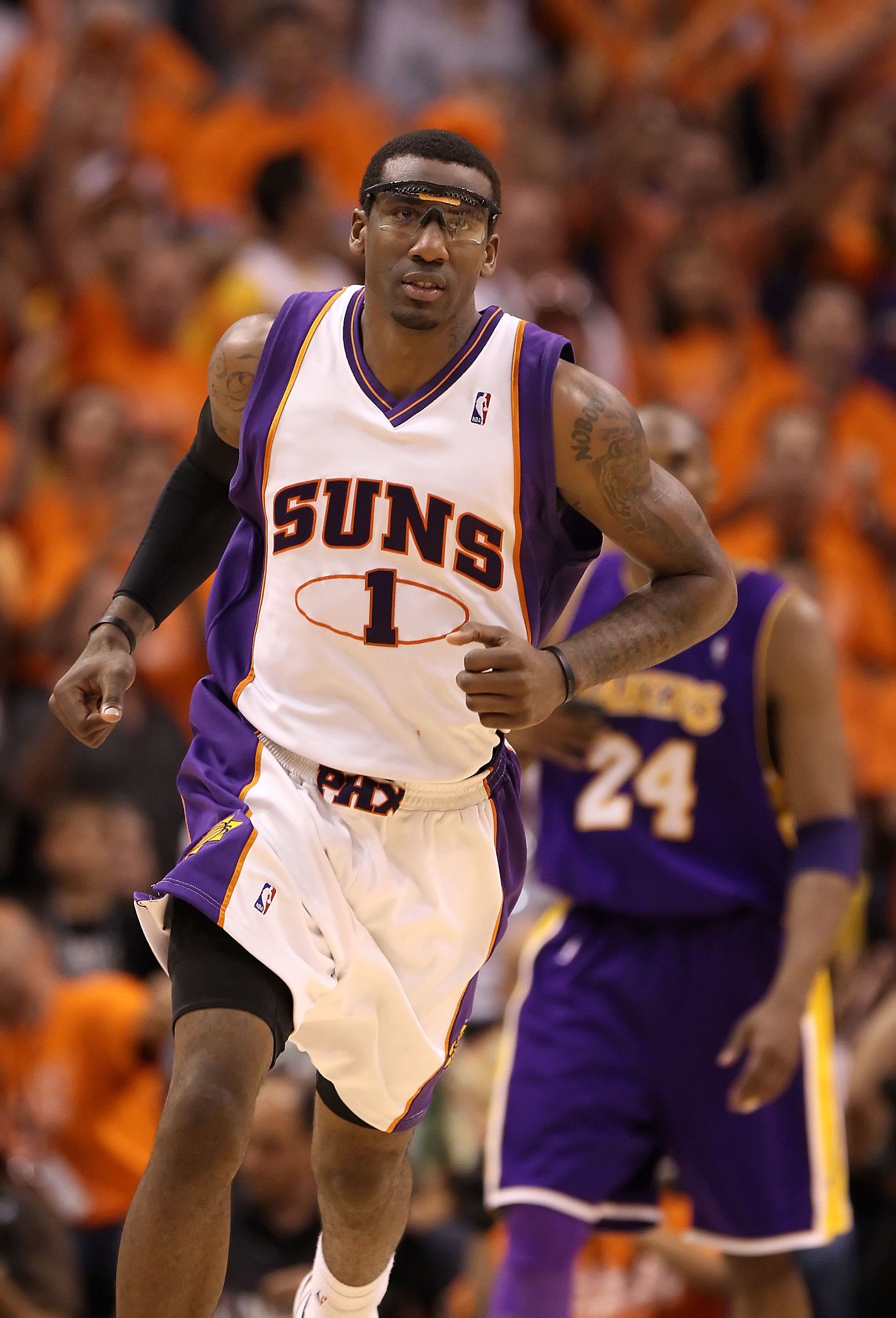 PHOENIX - MAY 29:  Amar'e Stoudemire #1 of the Phoenix Suns in action during Game Six of the Western Conference finals of the 2010 NBA Playoffs against the Los Angeles Lakers at US Airways Center on May 29, 2010 in Phoenix, Arizona. The Lakers defeated th