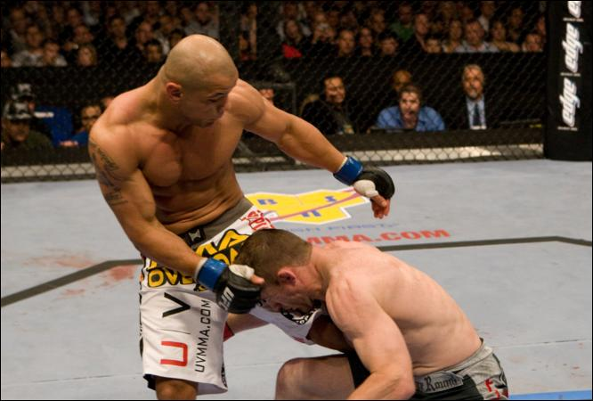 Alves KO's Matt Hughes at UFC 85