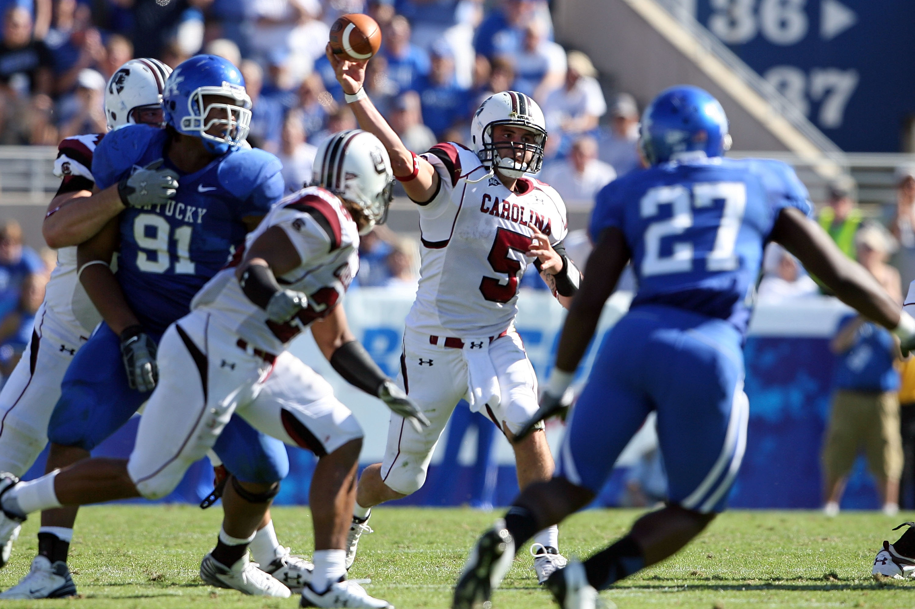 LEXINGTON, KY - OCTOBER 11:  Stephen Garcia #5 of  the South Carolina Gamecocks throws a pass against the Kentucky Widcats during the game at Commonwealth Stadium on October 11, 2008 in Lexington, Kentucky  (Photo by Andy Lyons/Getty Images)