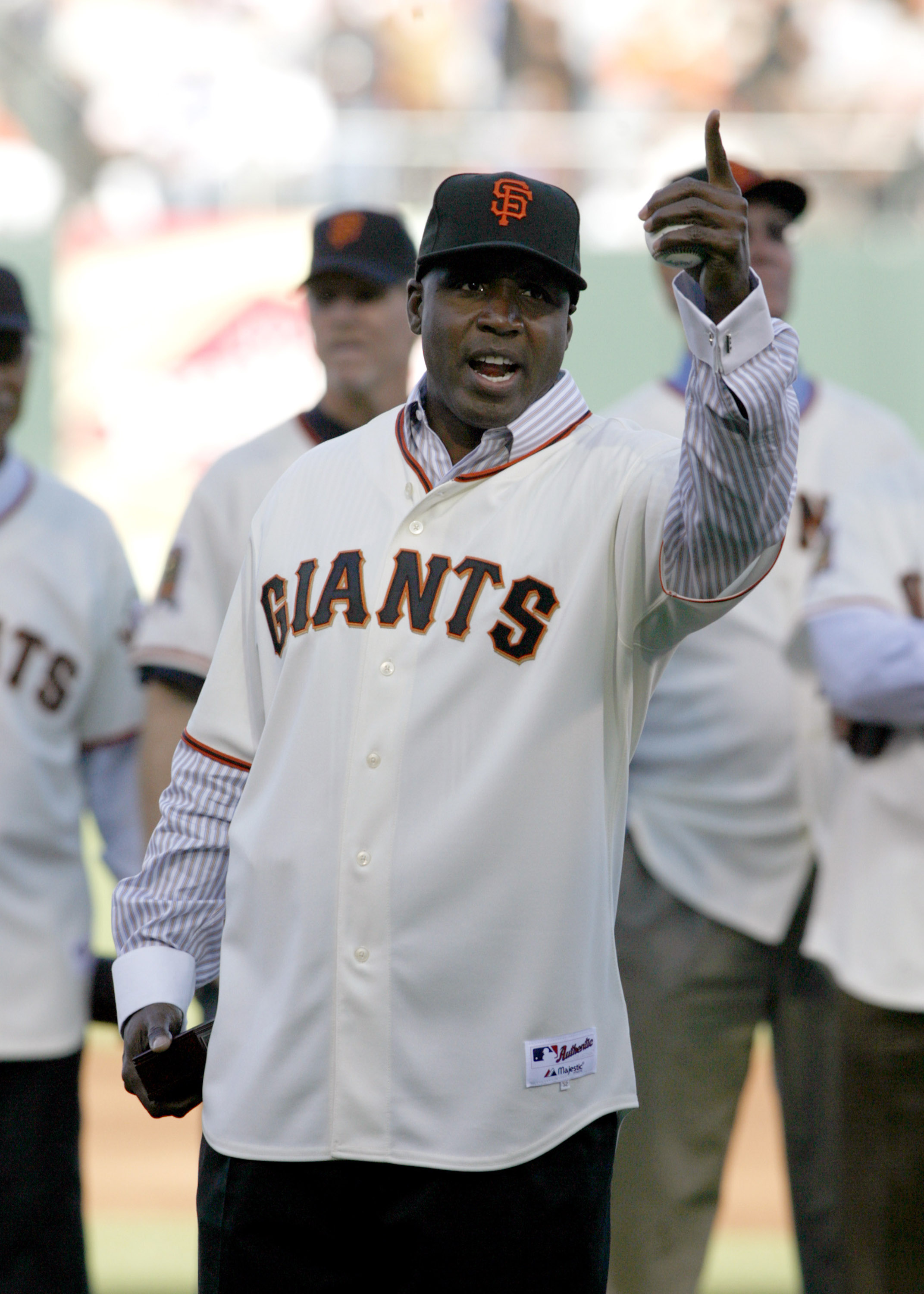 SAN FRANCISCO - AUGUST 9: Barry Bonds points to fans during a San Francisco Giants 50th Anniversary celebration before the game between the Los Angeles Dodgers and San Francisco Giants at AT&T Park on August 9, 2008 in San Francisco, California. (Photo by