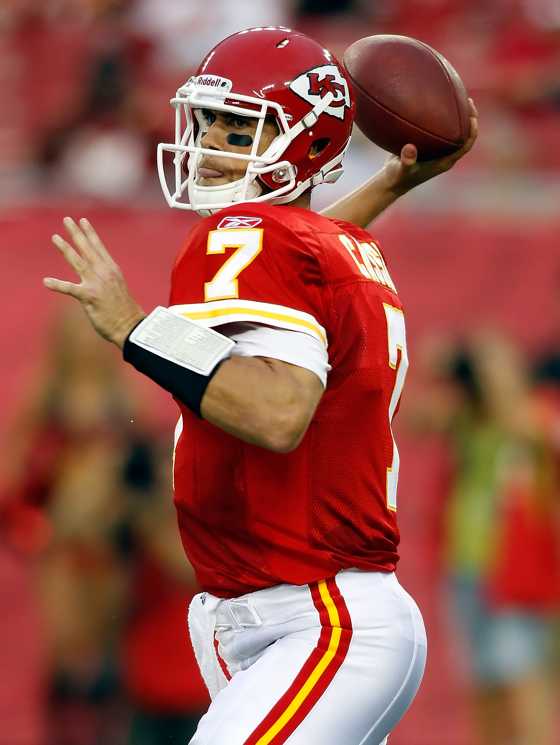 TAMPA, FL - AUGUST 21:  Quarterback Matt Cassel #7 of the Kansas City Chiefs throws a pass against the Tampa Bay Buccaneers during a preseason game at Raymond James Stadium on August 21, 2010 in Tampa, Florida.  (Photo by J. Meric/Getty Images)