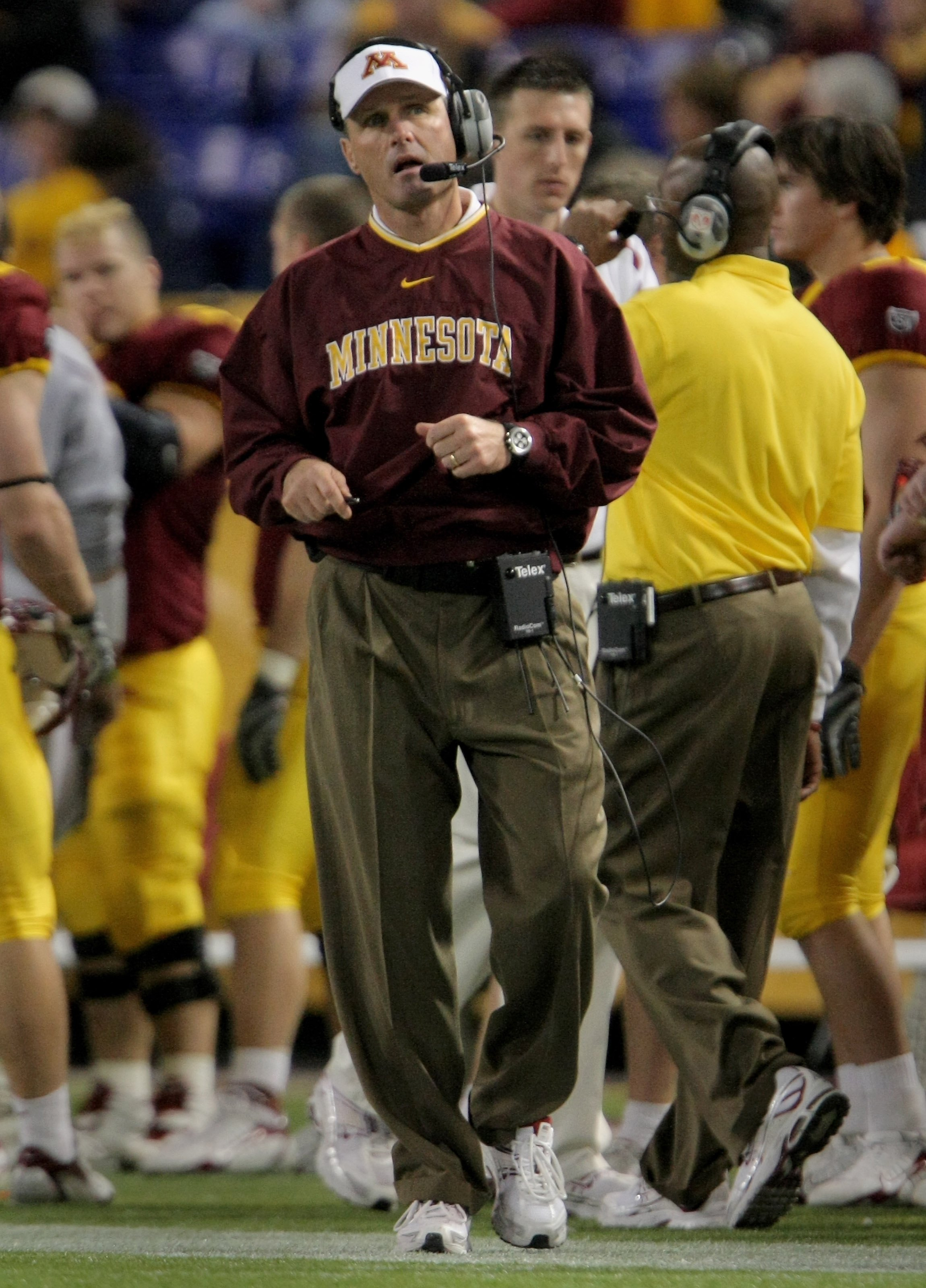 MINNEAPOLIS, MN - NOVEMBER 03:  Head coach Tim Brewster of the Minnesota Golden Gophers directs his team against the Illinois Fighting Illini at the Hubert H. Humphrey Metrodome on November 3, 2007 in Minneapolis, Minnesota. Illinois defeated Minnesota 44