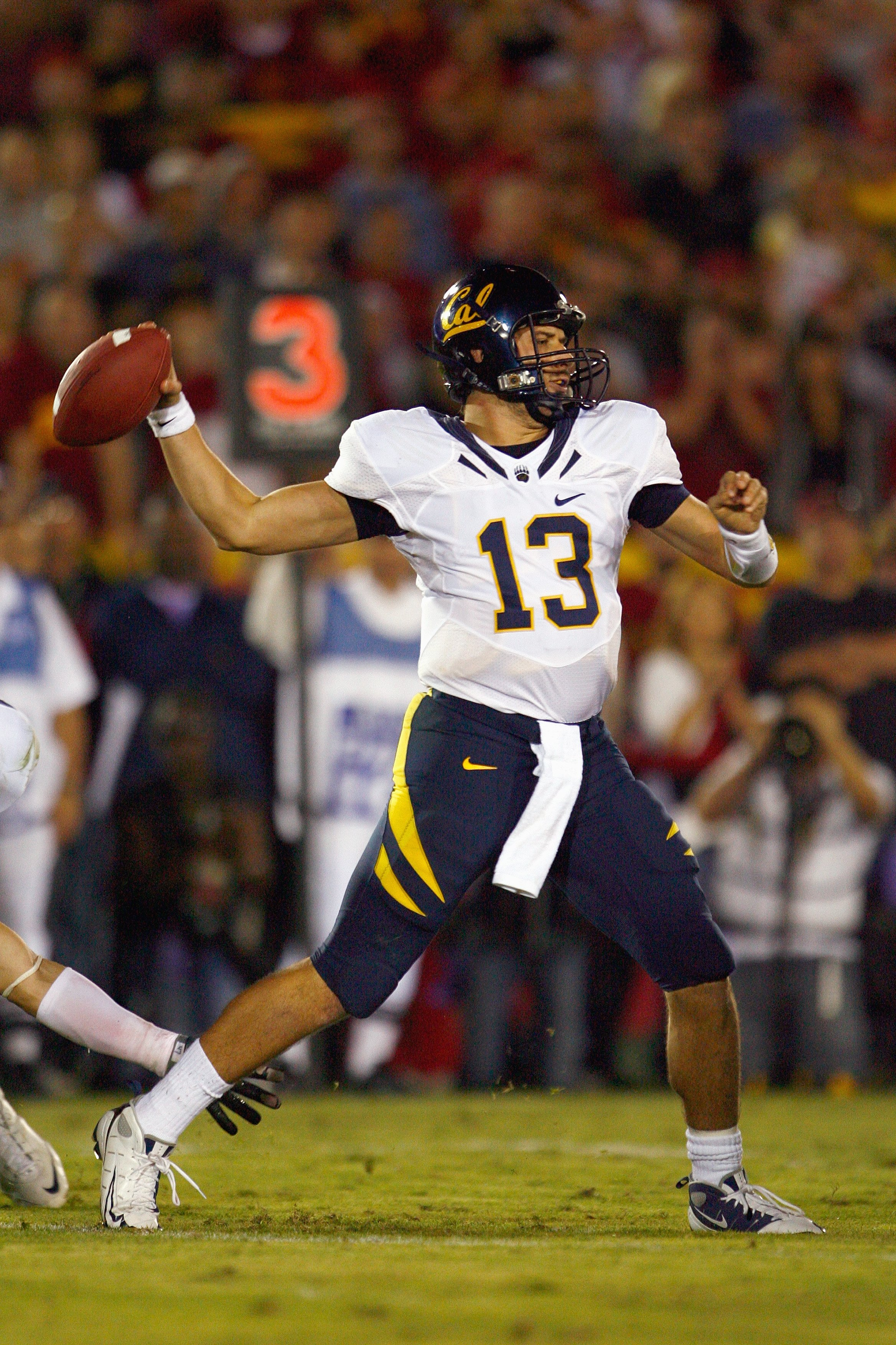 LOS ANGELES - NOVEMBER 8:  Quarterback Kevin Riley #13 of the Cal Golden Bears passes the ball during the game against the USC Trojans at the Memorial Coliseum on November 8, 2008 in Los Angeles, California. (Photo by: Jeff Gross/Getty Images)