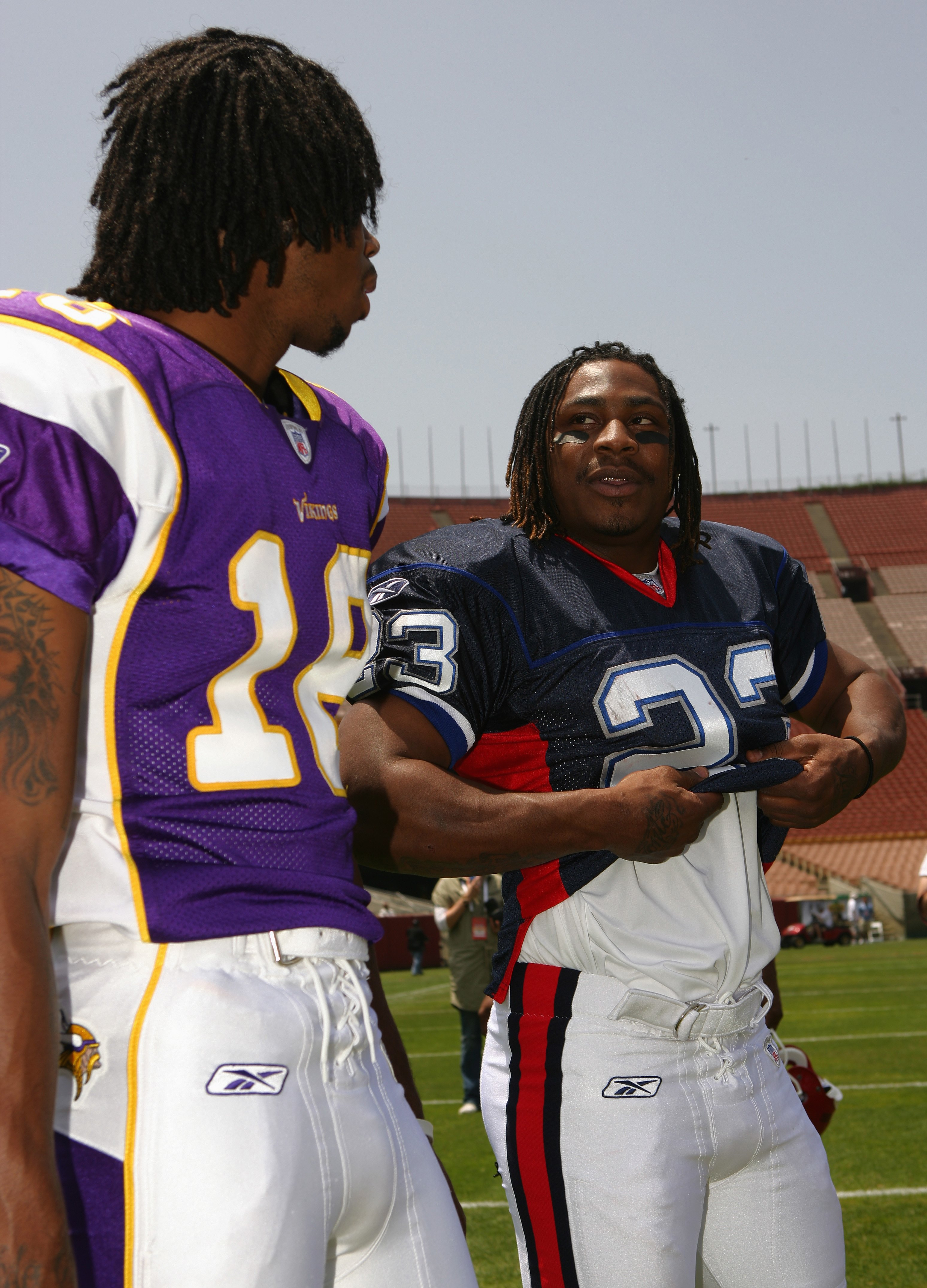 LOS ANGELES, CA - MAY 19: Wide receiver, Sidney Rice #18 of the Minnesota Vikings talks with running back, Marshawn Lynch #23 of the Buffalo Bills at the 2007 NFL Players Rookie Premiere on May 19, 2007 at the Los Angeles Memorial Coliseum in Los Angeles,