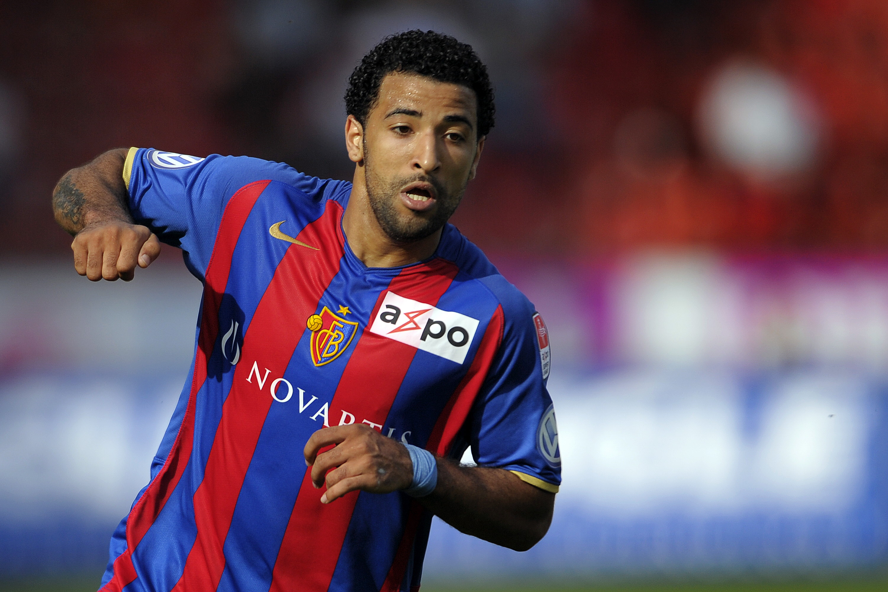 SWITZERLAND, ZURICH - APRIL 25:  Carlitos of FC Basel 1893 during the Swiss Super League match between Grasshopper Club and FC Basel at Letzigrund Stadium on April 25, 2010 in Zurich, Switzerland.   (Photo by Fabrice Coffrini / EuroFootball / Getty Images