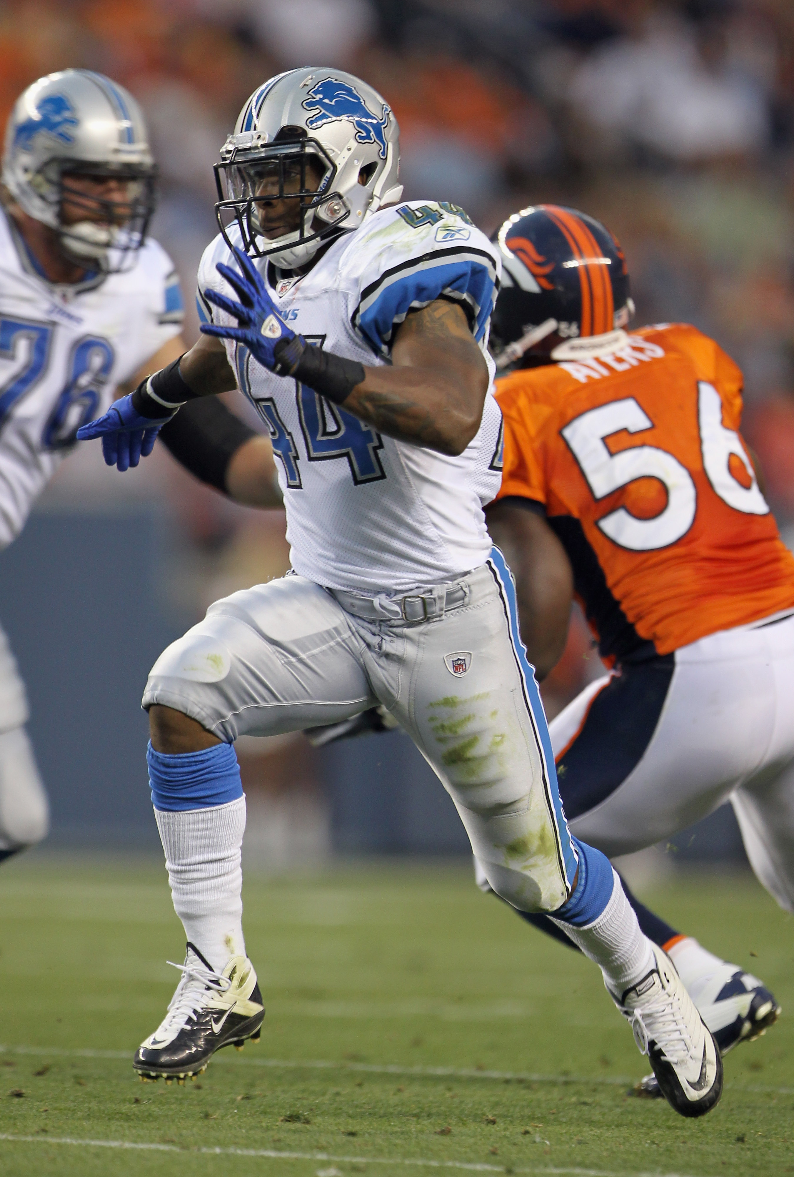 DENVER - AUGUST 21:  Jahvid Best #44 of the Detroit Lions runs a pass route against the Denver Broncos during preseason NFL action at INVESCO Field at Mile High on August 21, 2010 in Denver, Colorado. The Lions defeated the Broncos 25-20.  (Photo by Doug