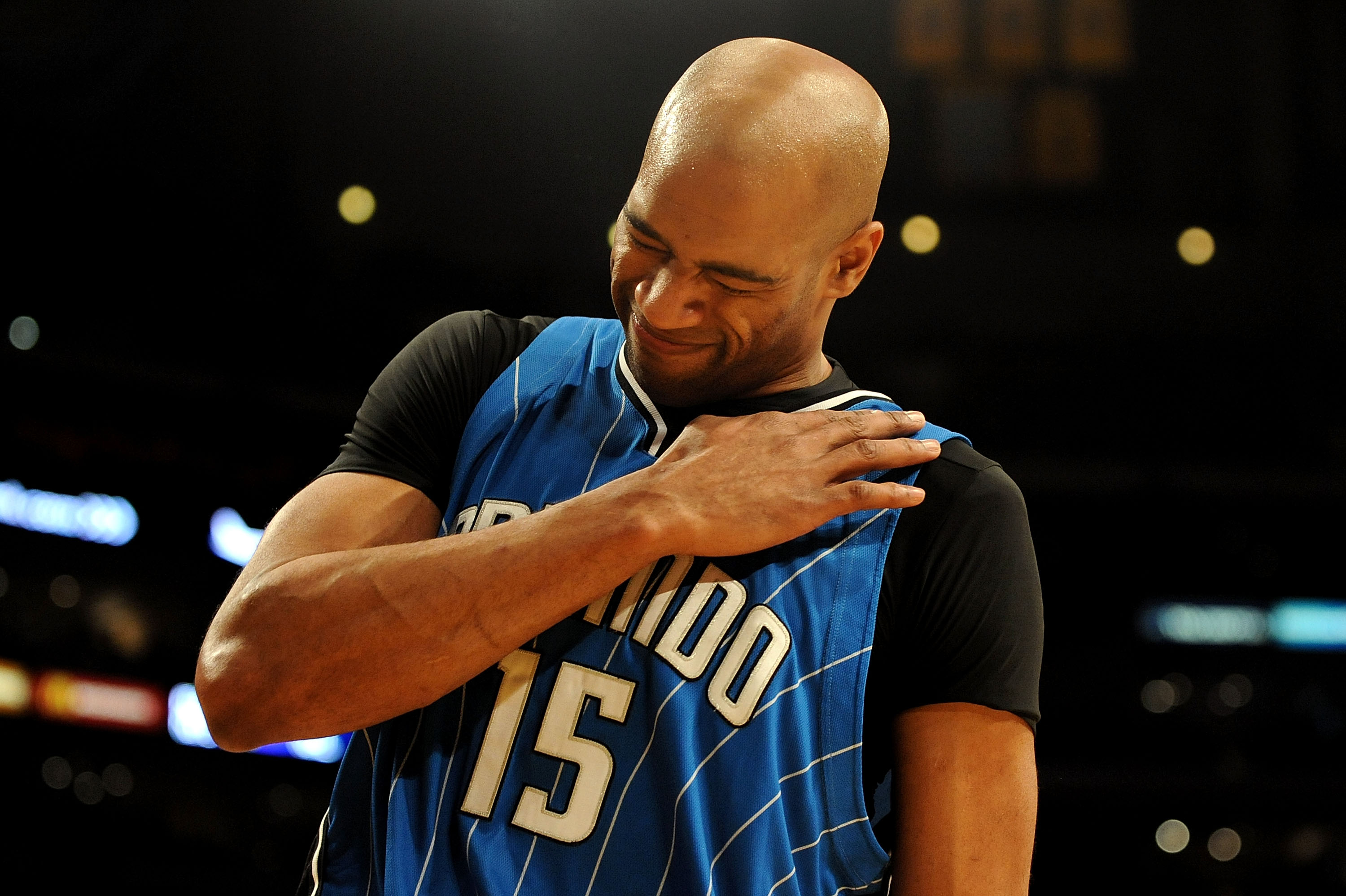 LOS ANGELES, CA - JANUARY 18:  Vince Carter #15 of the Orlando Magic injures his shoulder in the second quarter during the game against the Los Angeles Lakers on January 18, 2010 at Staples Center in Los Angeles, California. NOTE TO USER: User expressly a
