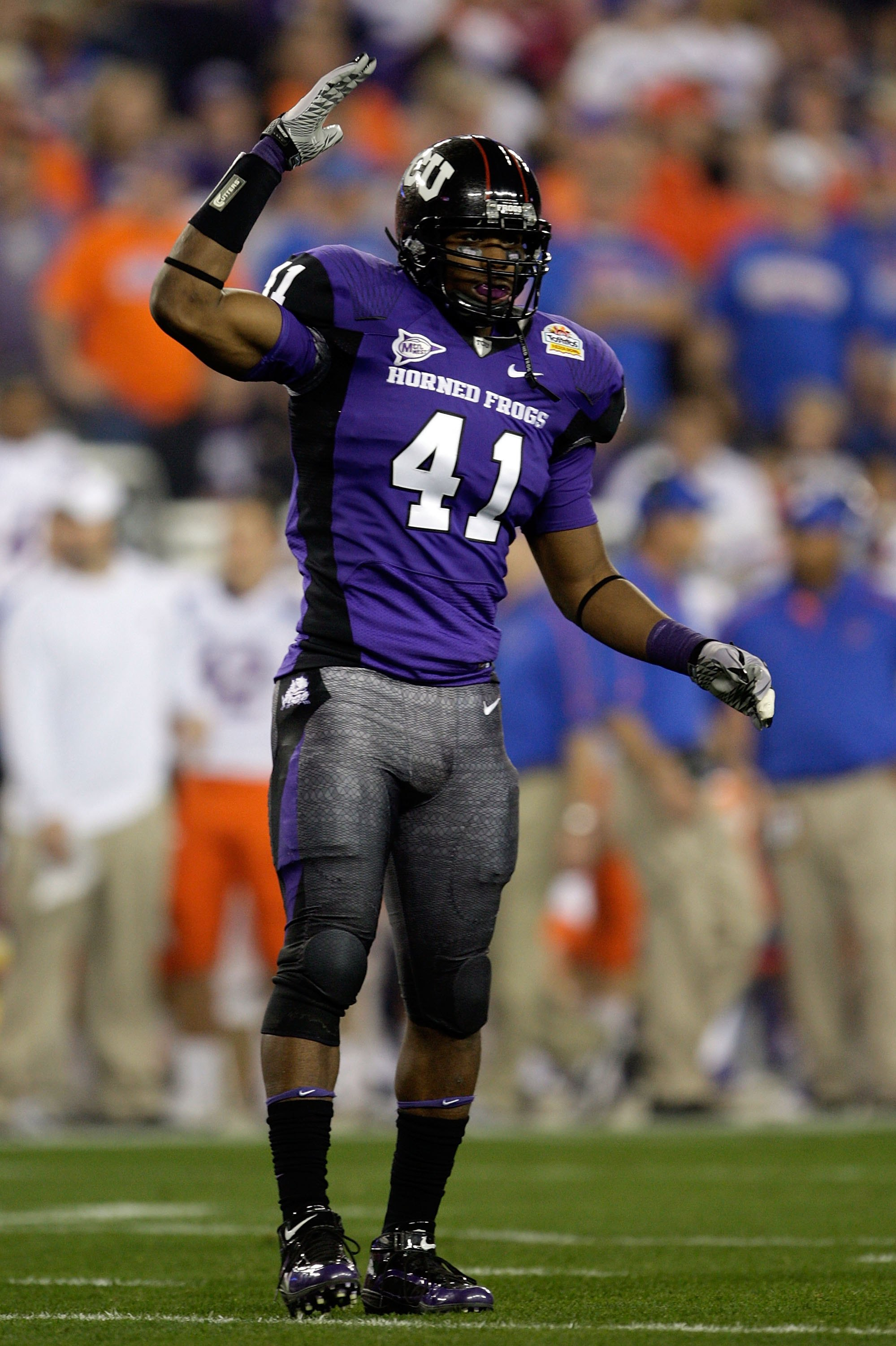 GLENDALE, AZ - JANUARY 04:  Daryl Washington #41 of the TCU Horned Frogs reacts against the Boise State Broncos during the Tostitos Fiesta Bowl at the Universtity of Phoenix Stadium on January 4, 2010 in Glendale, Arizona.  (Photo by Jamie Squire/Getty Im