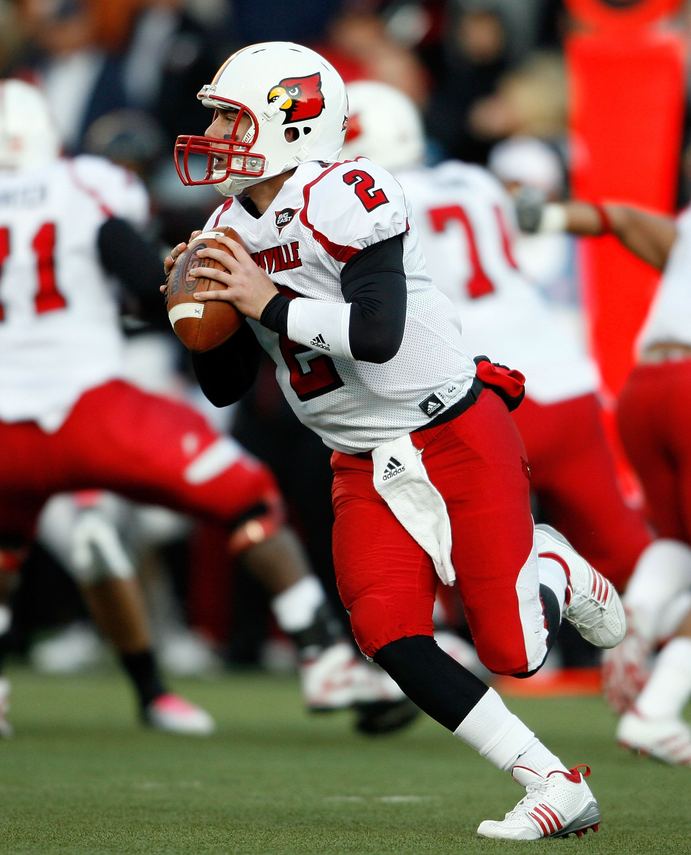 CINCINNATI - OCTOBER 24:  Will Stein #2 of the Louisville Cardinals runs with the ball during the Big East Conference game against the Cincinnati Bearcats at Nippert Stadium on October 24, 2009 in Cincinnati, Ohio.  (Photo by Andy Lyons/Getty Images)