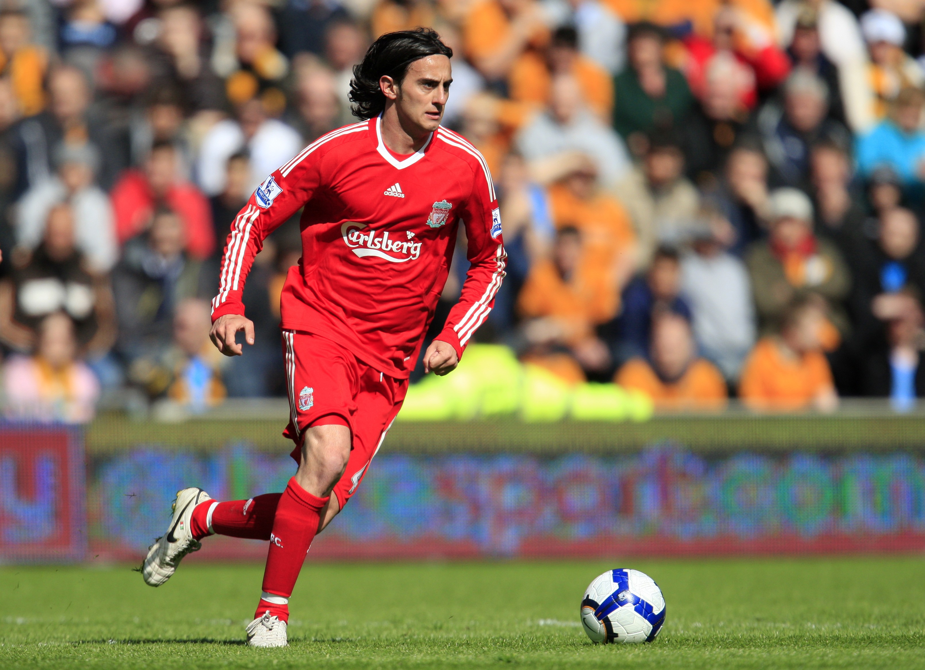 HULL, ENGLAND - MAY 9:  Alberto Aquilani of Liverpool during the Barclays Premier League match between Hull City and Liverpool at the KC Stadium on May 9, 2010 in Hull, England. (Photo by Jed Leicester/Getty Images)