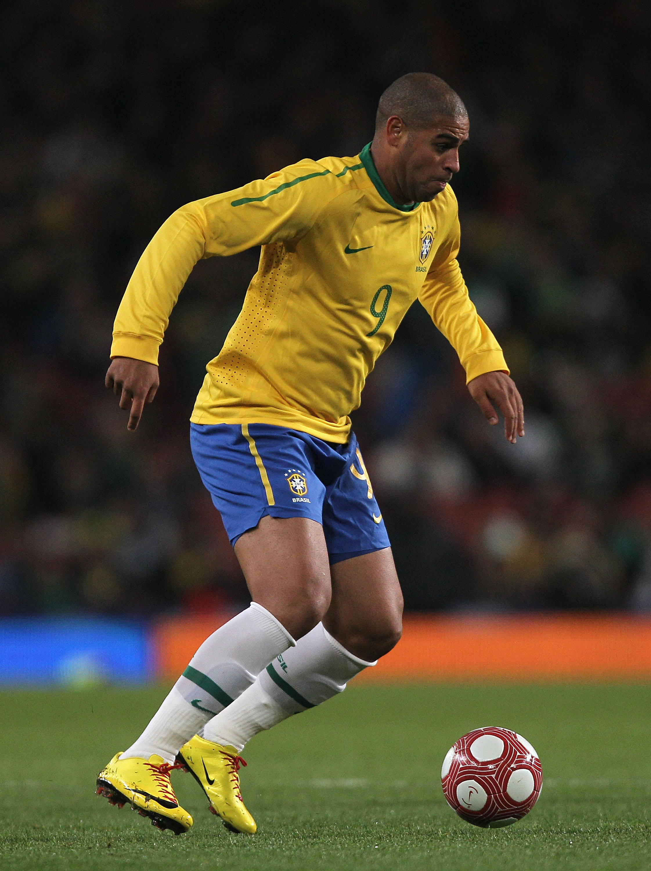 LONDON, ENGLAND - MARCH 02:  Adriano of Brazil in action during the International Friendly match between Republic of Ireland and Brazil played at Emirates Stadium on March 2, 2010 in London, England.  (Photo by Hamish Blair/Getty Images)