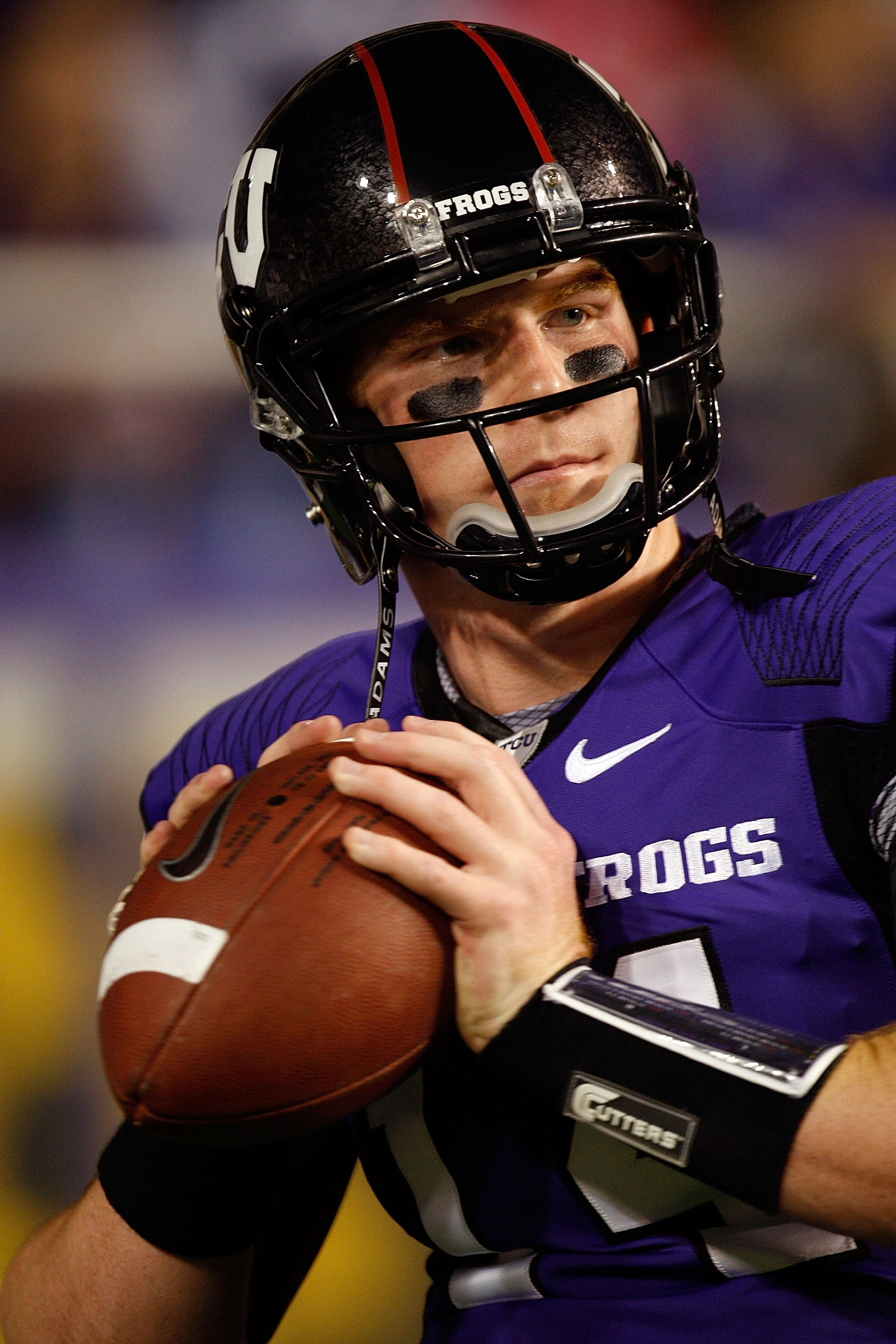 FORT WORTH, TX - NOVEMBER 14:  Quarterback Andy Dalton #14 of the TCU Horned Frogs at Amon G. Carter Stadium on November 14, 2009 in Fort Worth, Texas.  (Photo by Ronald Martinez/Getty Images)