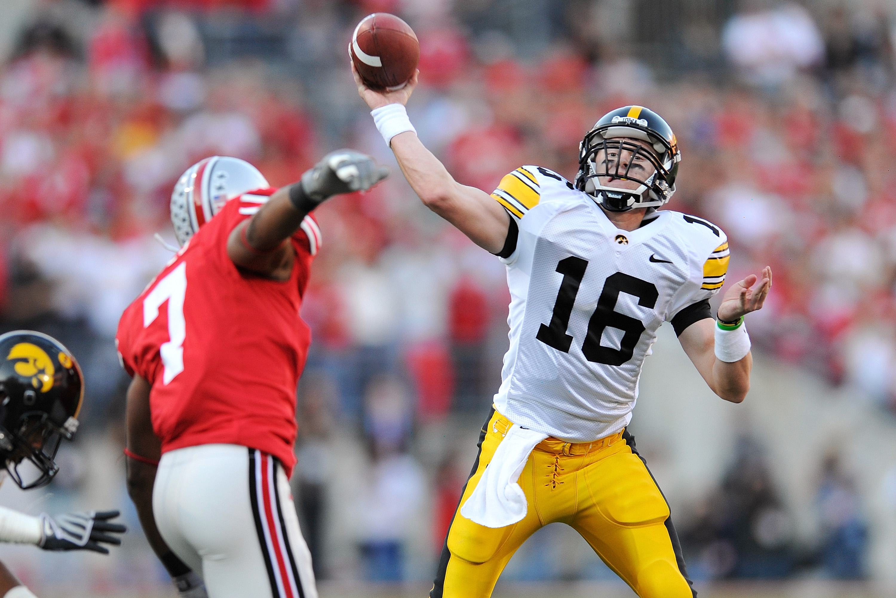 COLUMBUS, OH - NOVEMBER 14:  Quarterback James Vandenberg #16 of the Iowa Hawkeyes passes the ball against the Ohio State Buckeyes at Ohio Stadium on November 14, 2009 in Columbus, Ohio.  (Photo by Jamie Sabau/Getty Images)