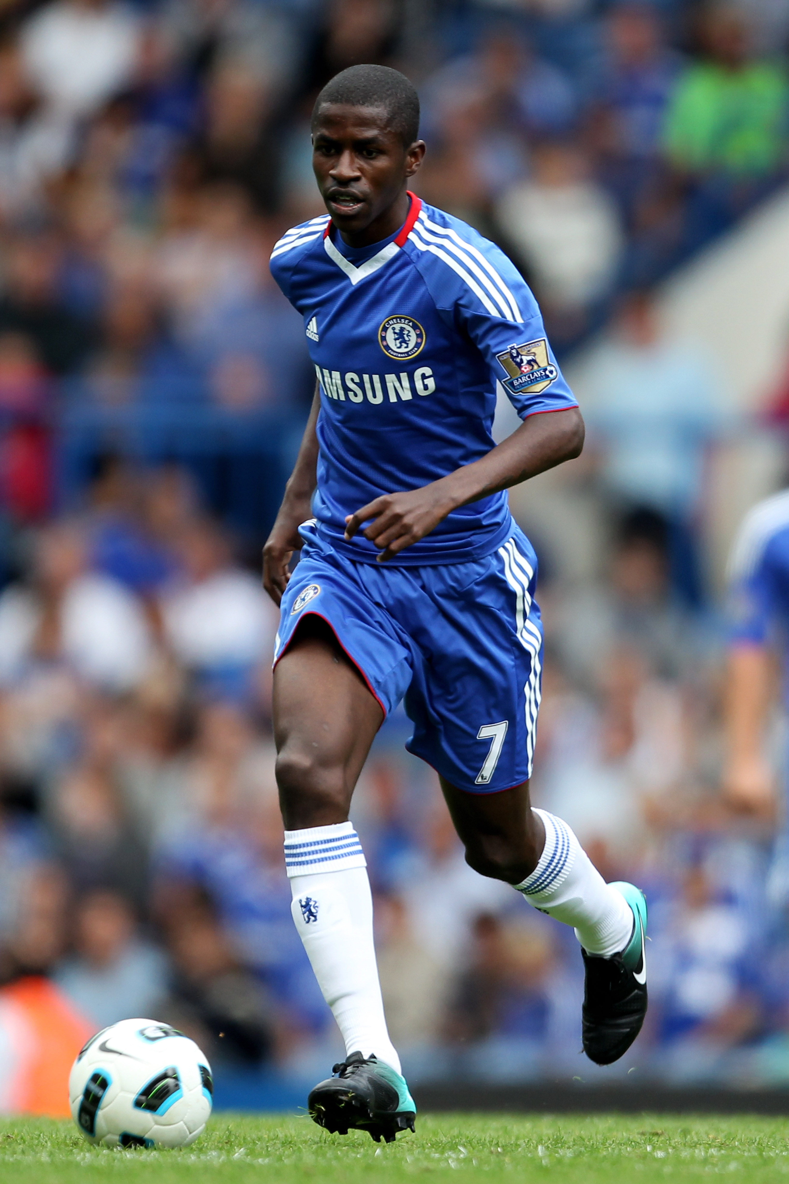 LONDON, ENGLAND - AUGUST 28:  Ramires of Chelsea makes his home debut during the Barclays Premier League match between Chelsea and Stoke City at Stamford Bridge on August 28, 2010 in London, England.  (Photo by Bryn Lennon/Getty Images)