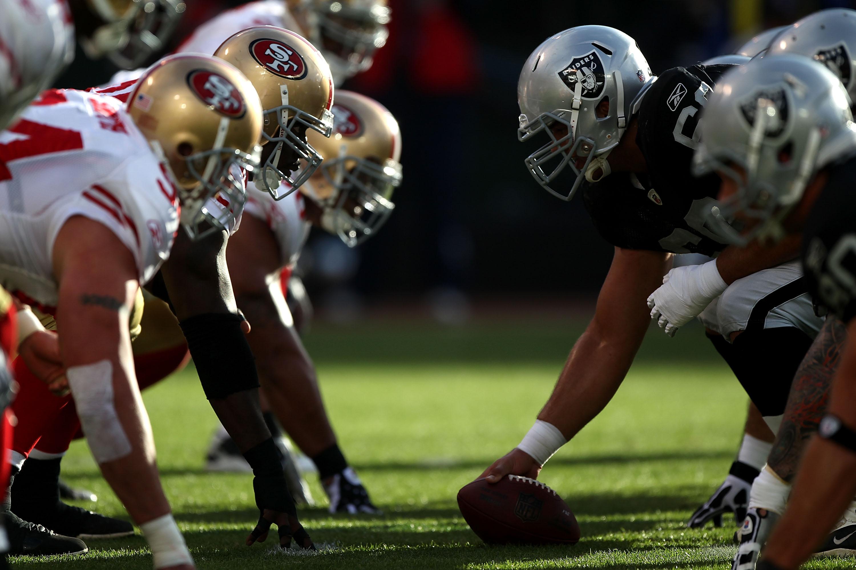 7412bbca Oakland Raiders Vs San Francisco 49ers: 10 Raider Surprises ...