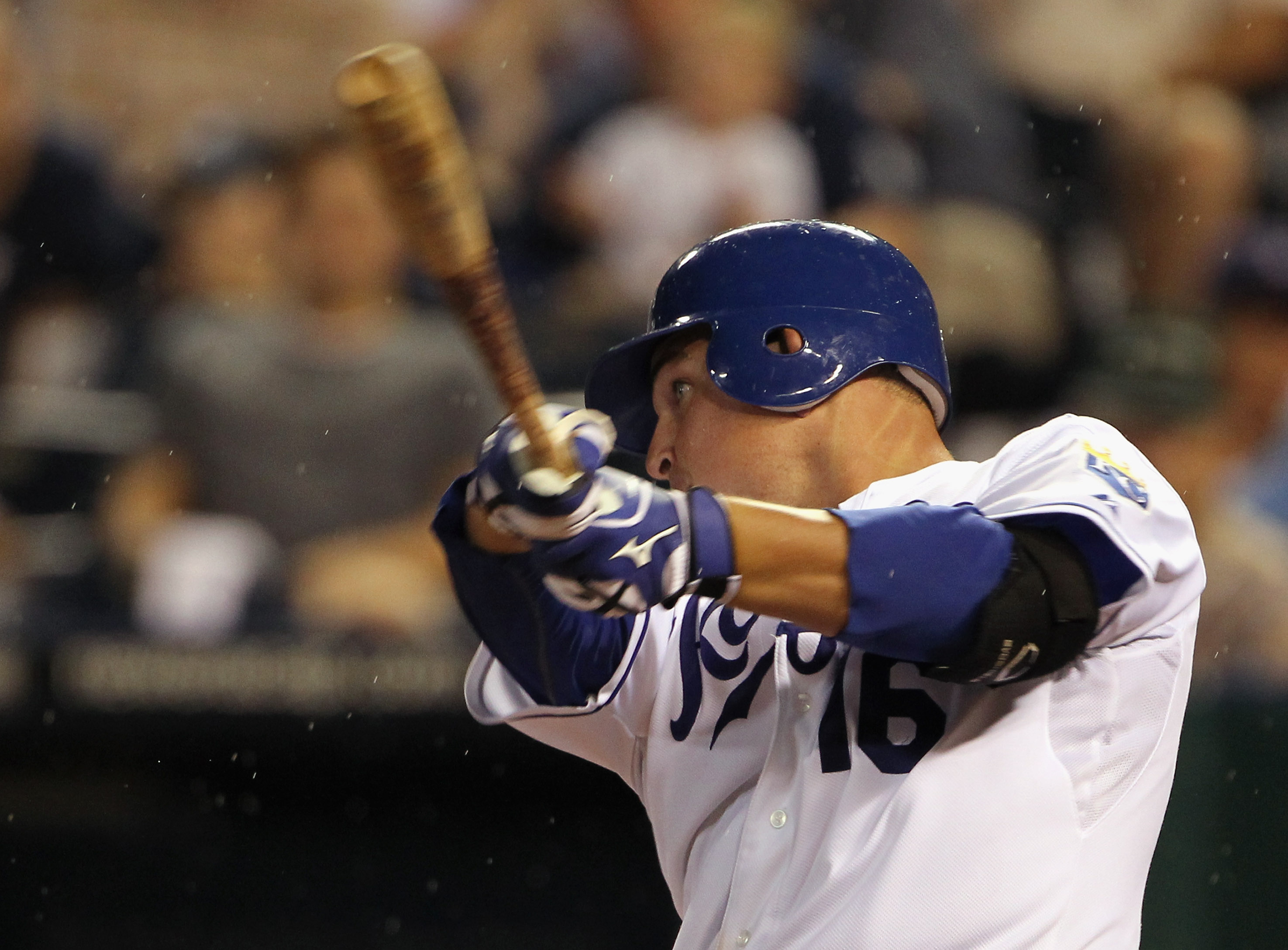 KANSAS CITY, MO - AUGUST 13:  Billy Butler #16 of the Kansas City Royals hits a home run duirng the 5th inning of the game against the New York Yankees on August 13, 2010 at Kauffman Stadium in Kansas City, Missouri.  (Photo by Jamie Squire/Getty Images)