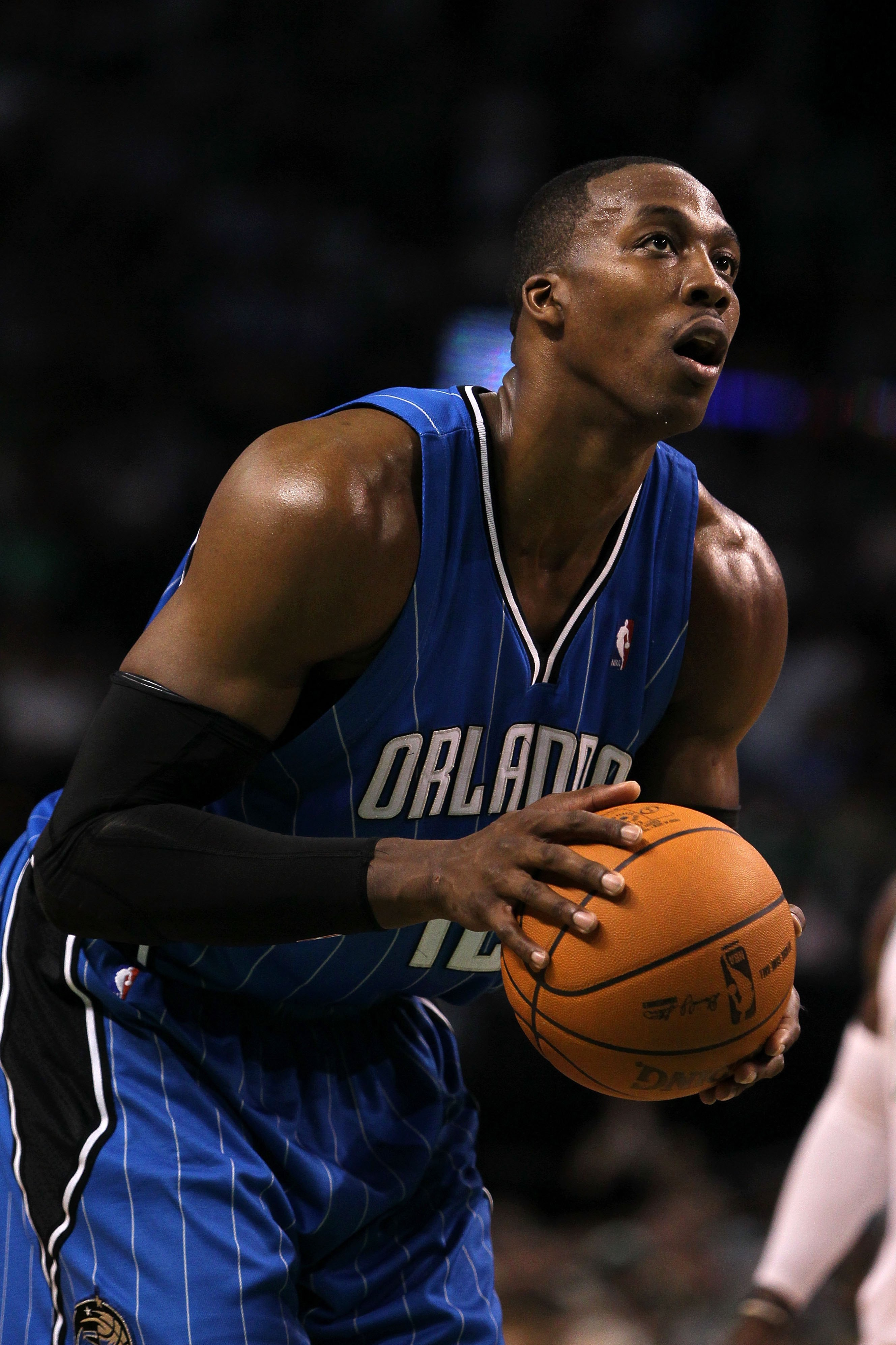 BOSTON - MAY 28:  Dwight Howard of the Orlando Magic gets set to attempt a free throw against the Boston Celtics in Game Six of the Eastern Conference Finals during the 2010 NBA Playoffs at TD Garden on May 28, 2010 in Boston, Massachusetts.  NOTE TO USER