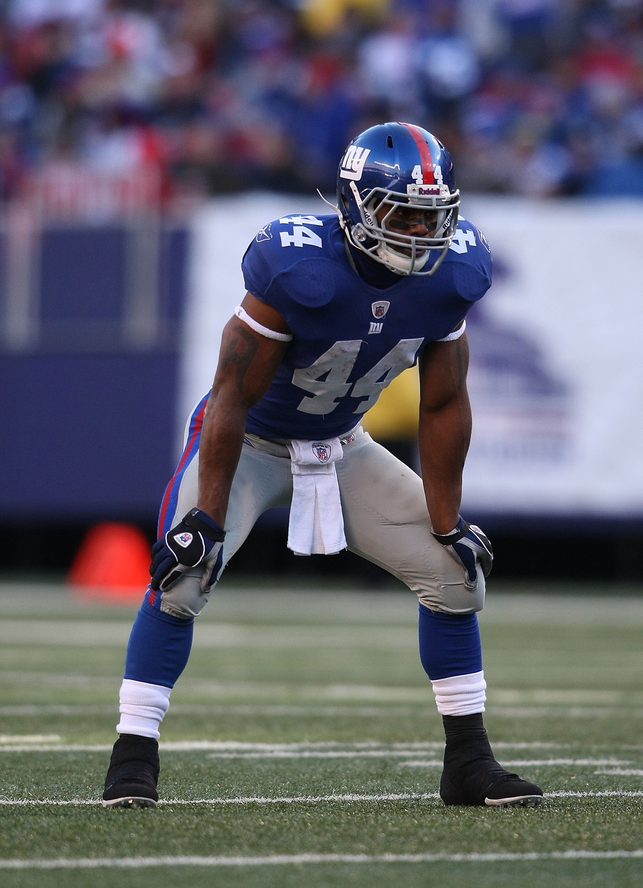 EAST RUTHERFORD, NJ - DECEMBER 27:  Ahmad Bradshaw #44  of the New York Giants against the Carolina Panthers at Giants Stadium on December 27, 2009 in East Rutherford, New Jersey.  (Photo by Nick Laham/Getty Images)