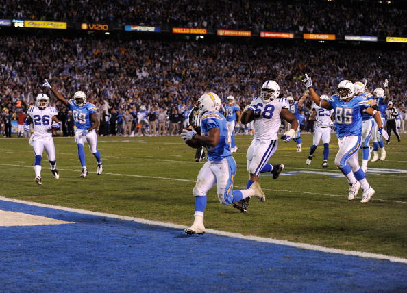 SAN DIEGO - JANUARY 03:  Darren Sproles #43 of the San Diego Chargers scores the winning touchdown against the Indianapolis Colts during their AFC Wild Card Game on January 3, 2009 at Qualcomm Stadium in San Diego, California.  (Photo by Harry How/Getty I