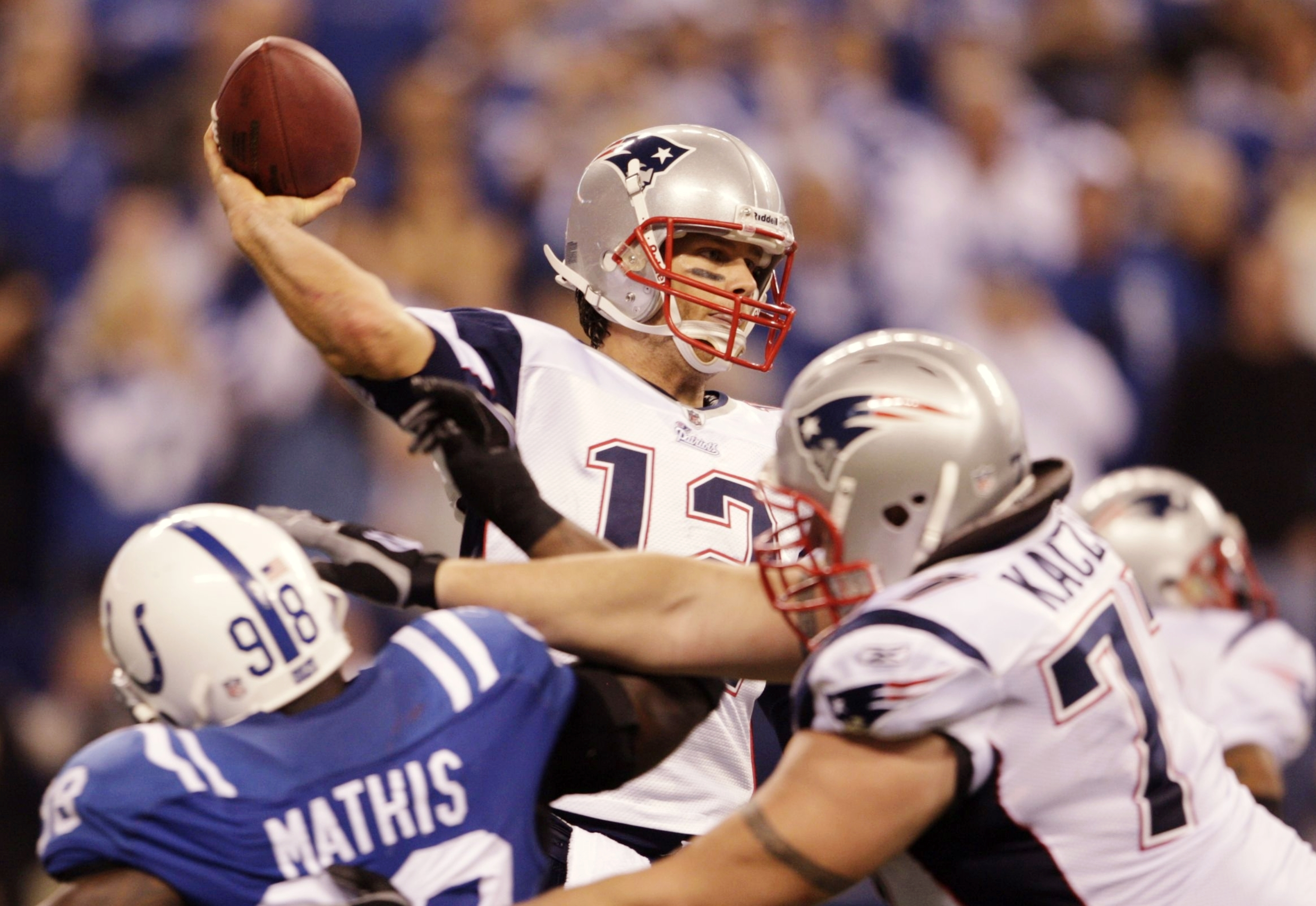 INDIANAPOLIS - NOVEMBER 15: Quarterback Tom Brady #12 of the New England Patriots looks to pass the ball in the second quarter of the game against the Indianapolis Colts at Lucas Oil Stadium on November 15, 2009 in Indianapolis, Indiana. (Photo by Andy Ly