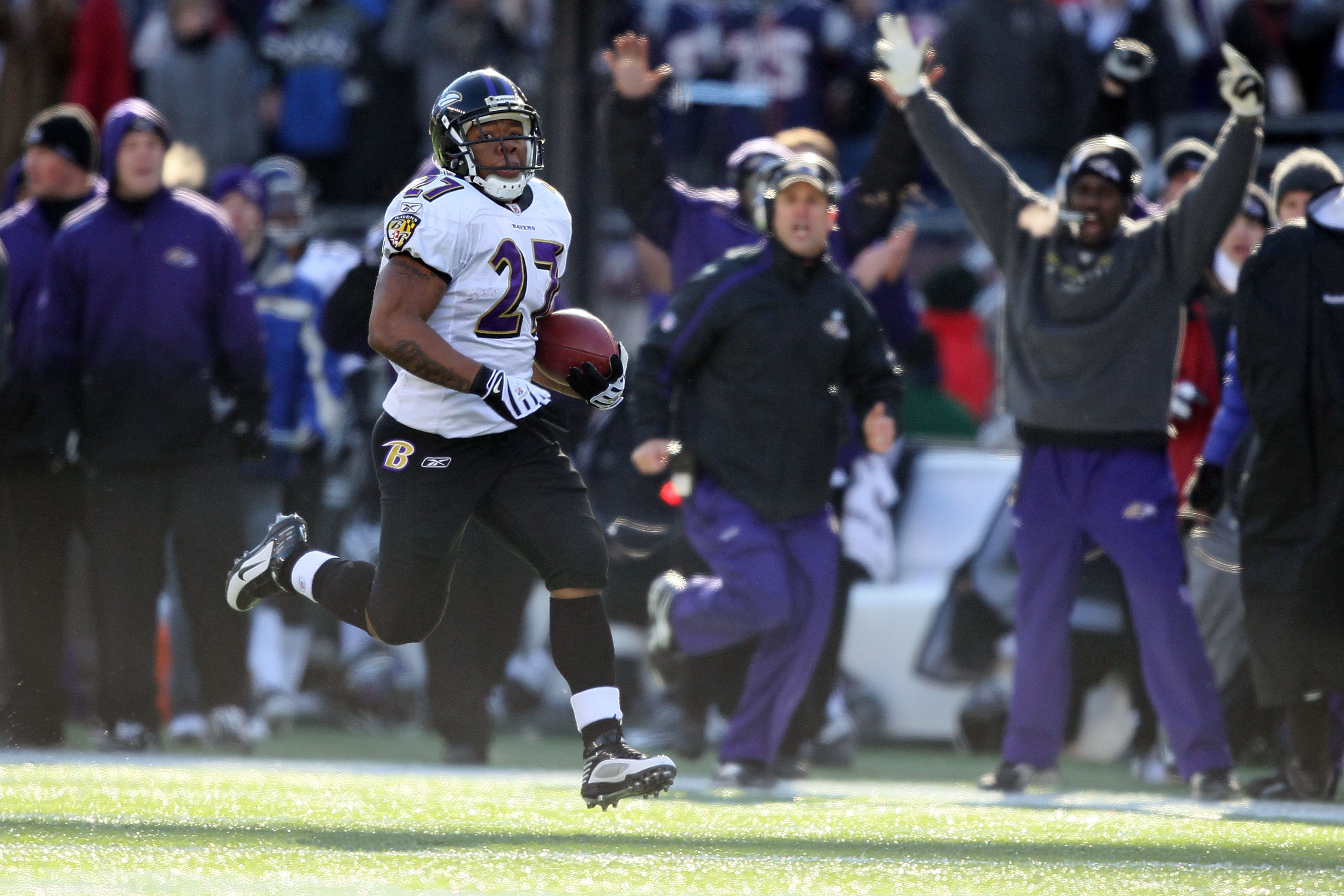 FOXBORO, MA - JANUARY 10:  Ray Rice #27 of the Baltimore Ravens runs for an 83-yard touchdown run in the first quarter against the New England Patriots during the 2010 AFC wild-card playoff game at Gillette Stadium on January 10, 2010 in Foxboro, Massachu